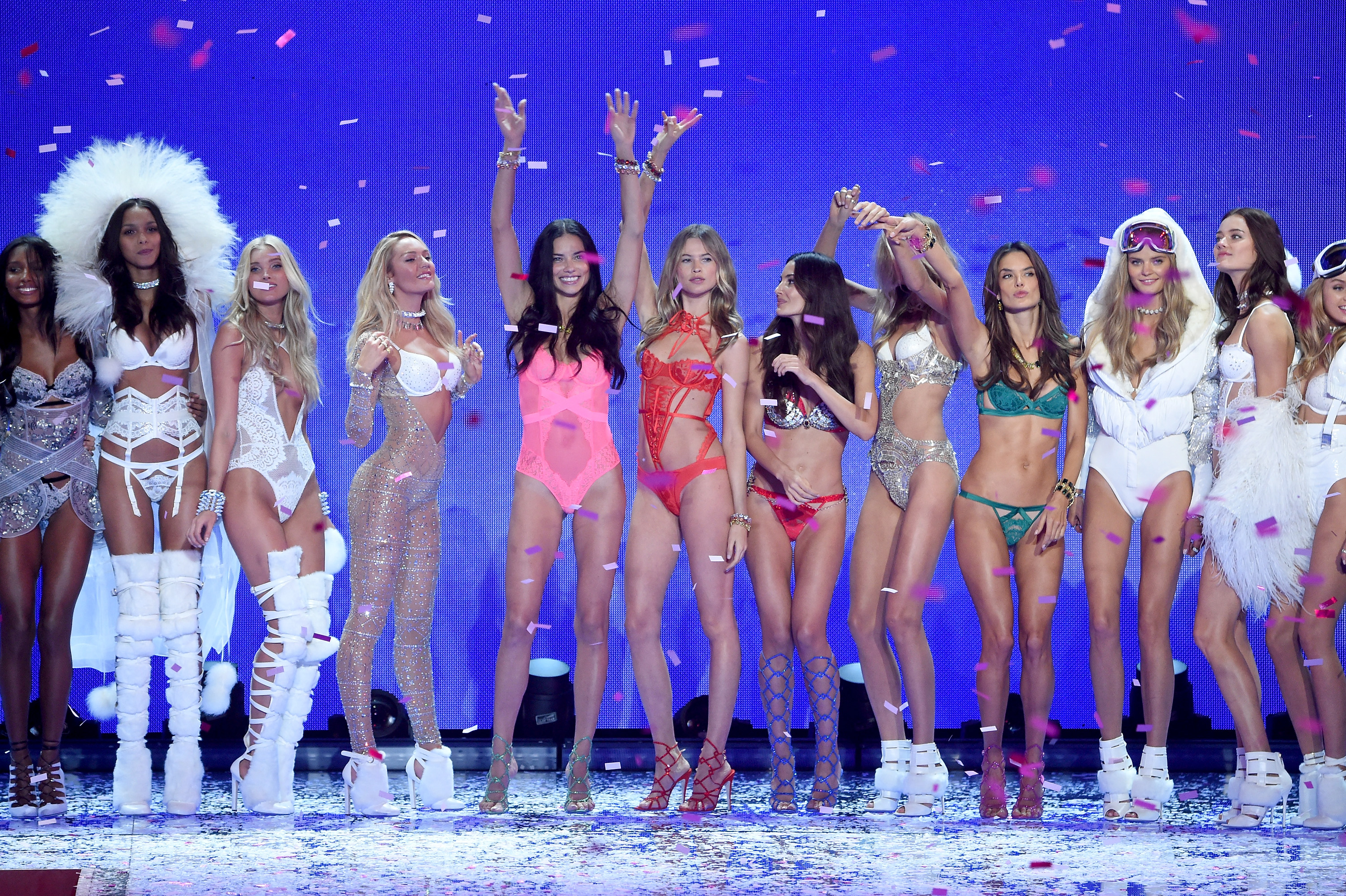 f3efb5e970d All The Models In The 2015 Victoria s Secret Fashion Show Look As Beautiful  As Ever — PHOTOS