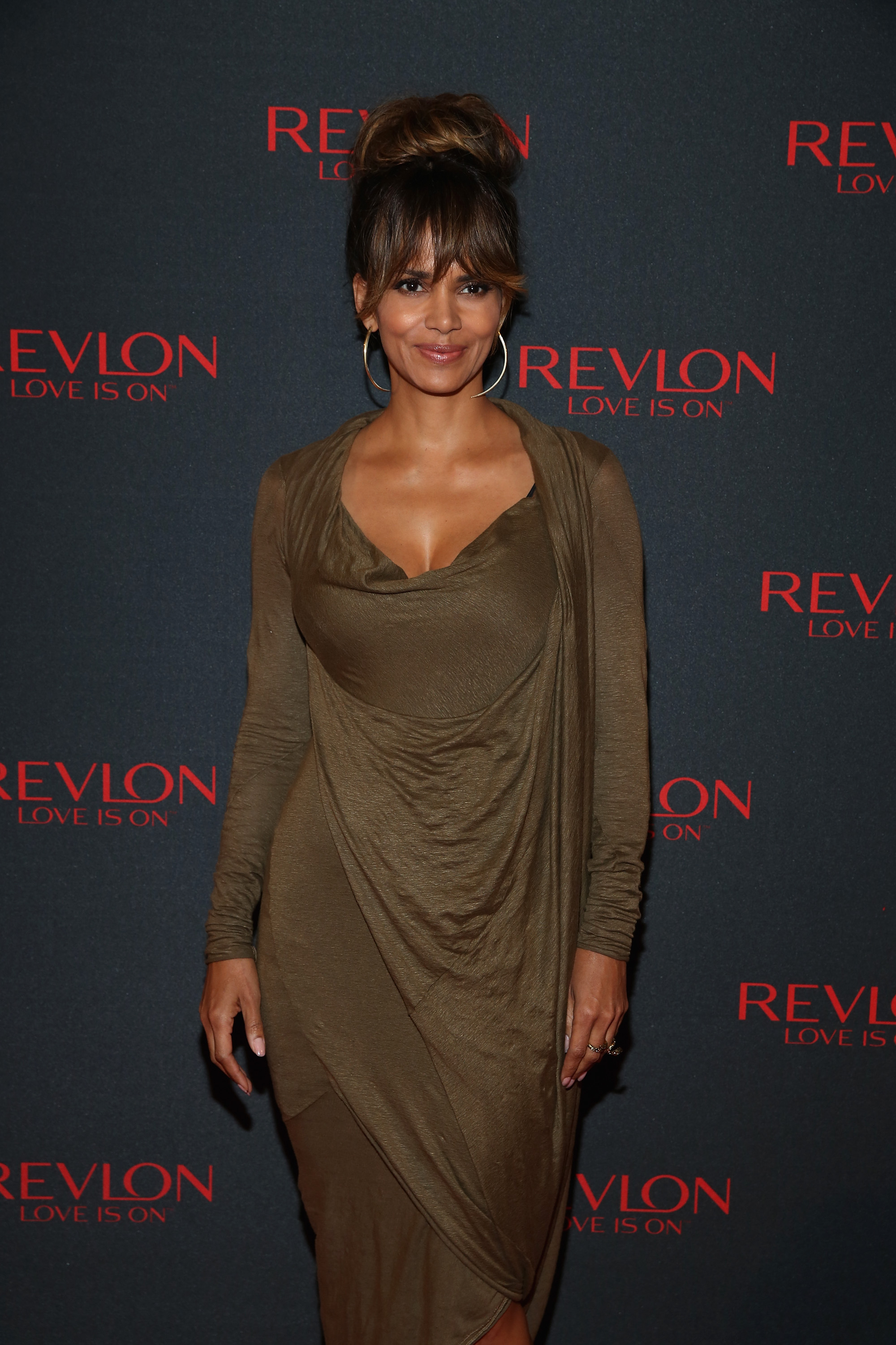 Halle Berry S New Haircut Is Her Coolest Look Since That Pixie Do Photos