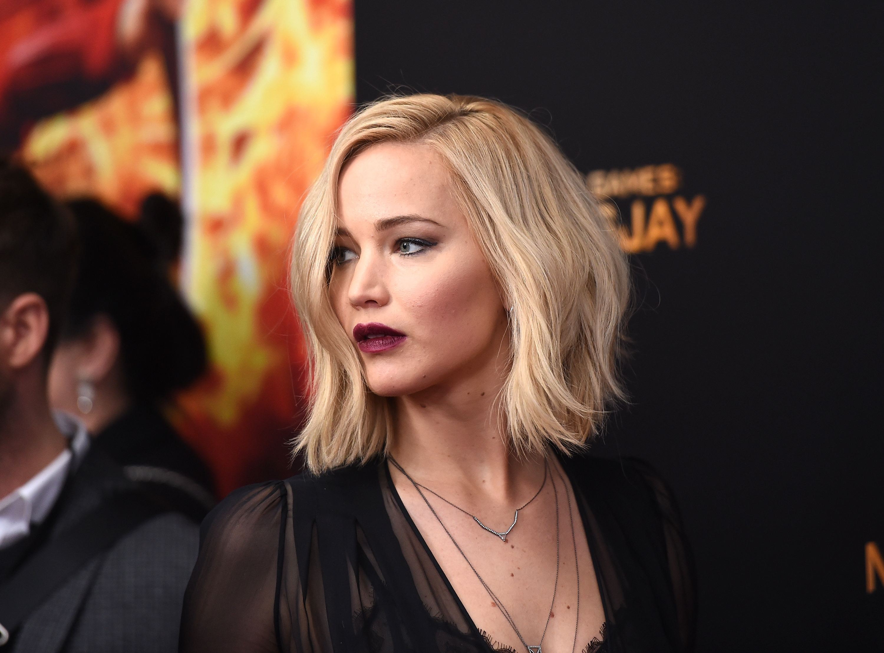 Jennifer Lawrence Volunteers as Tribute (to End Fat Shaming)