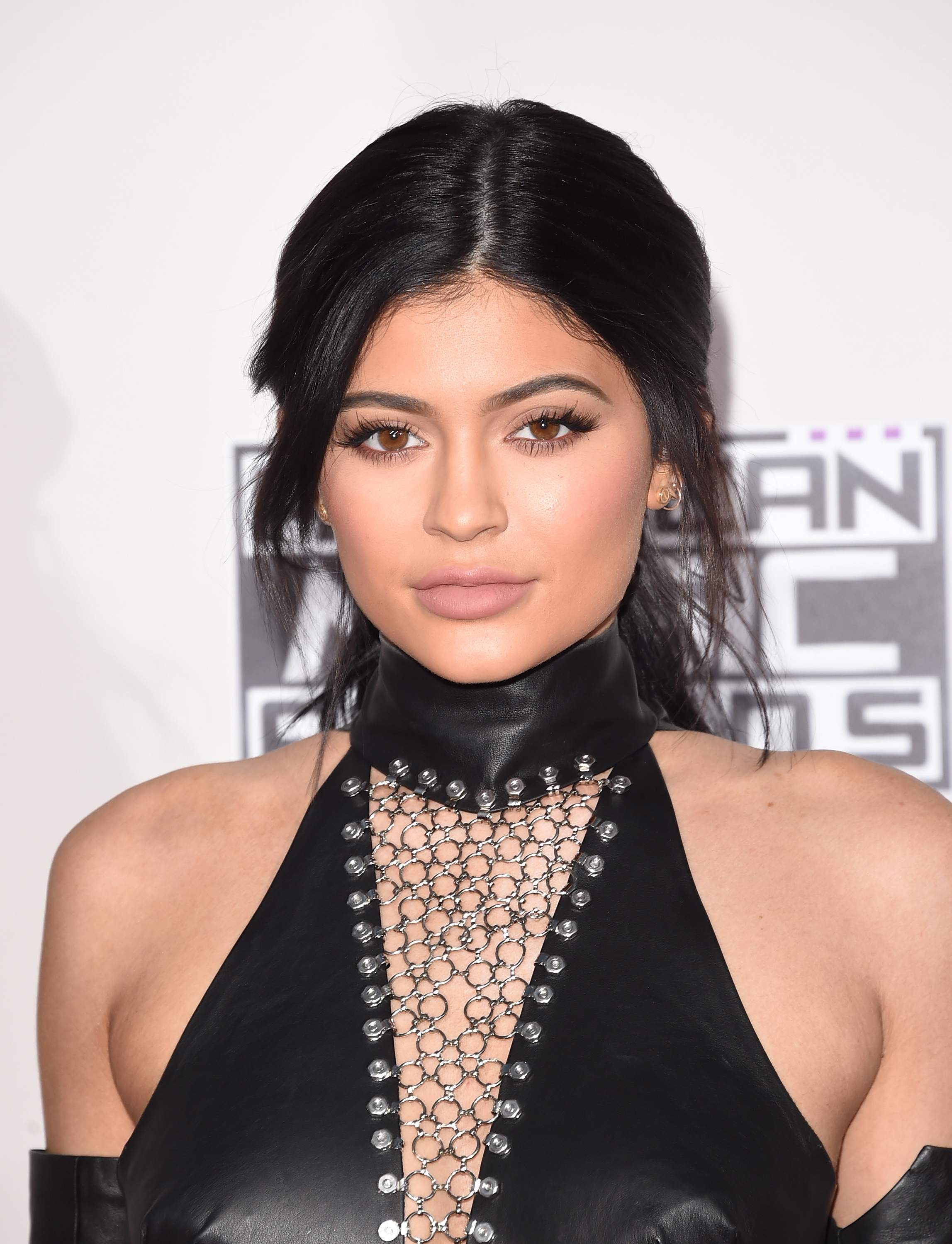 The 10 Best Kylie Jenner Lipstick Colors She Rocked In 2015 Photos