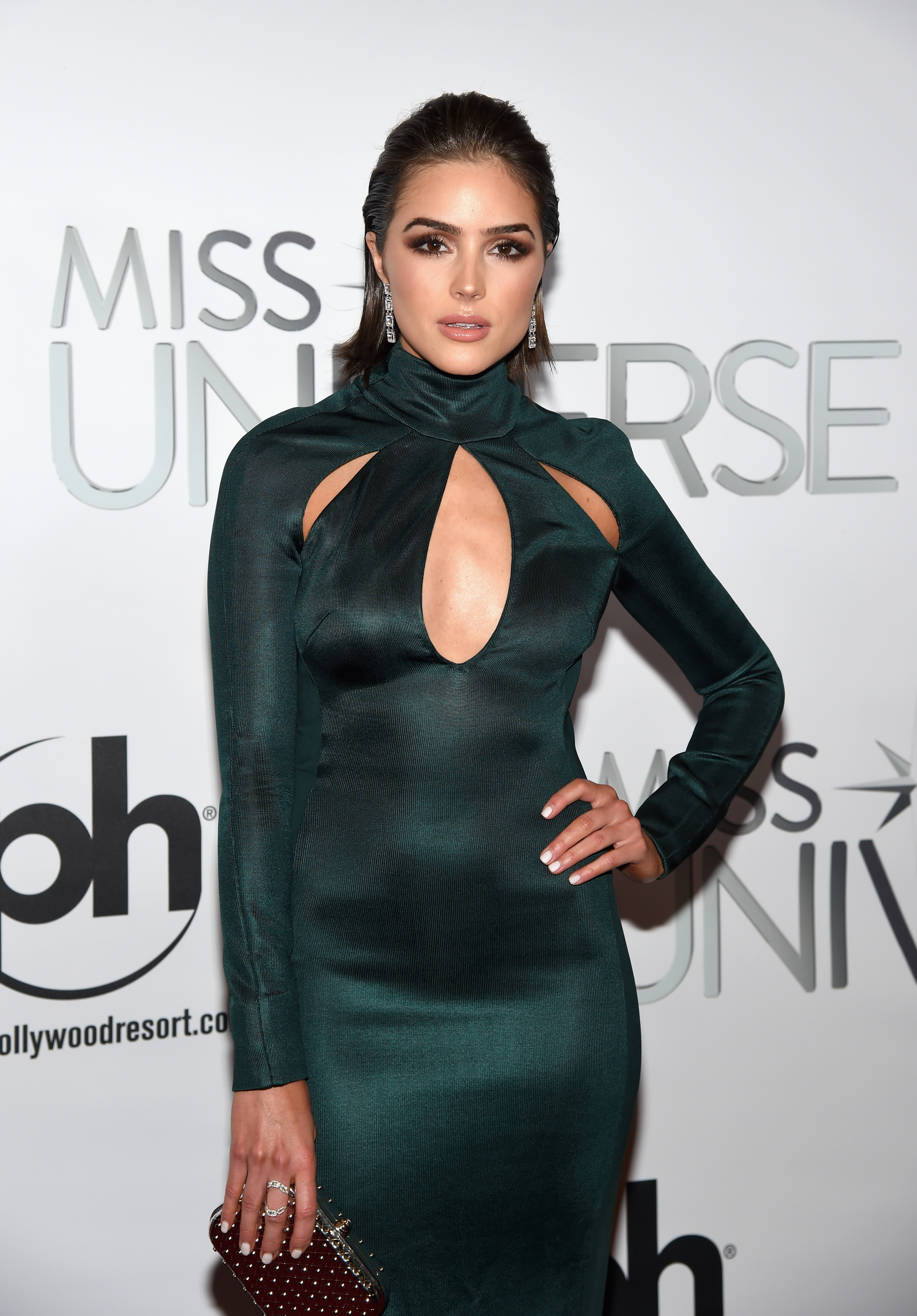 Olivia Culpo At Miss Universe 2015 Stunned In Emerald