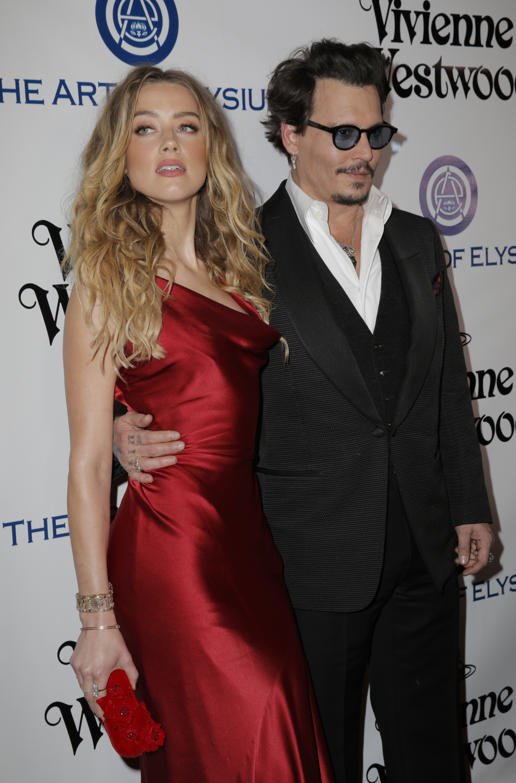 Johnny Depp and Vanessa Paradis broke up finally. 12.01.2012 26