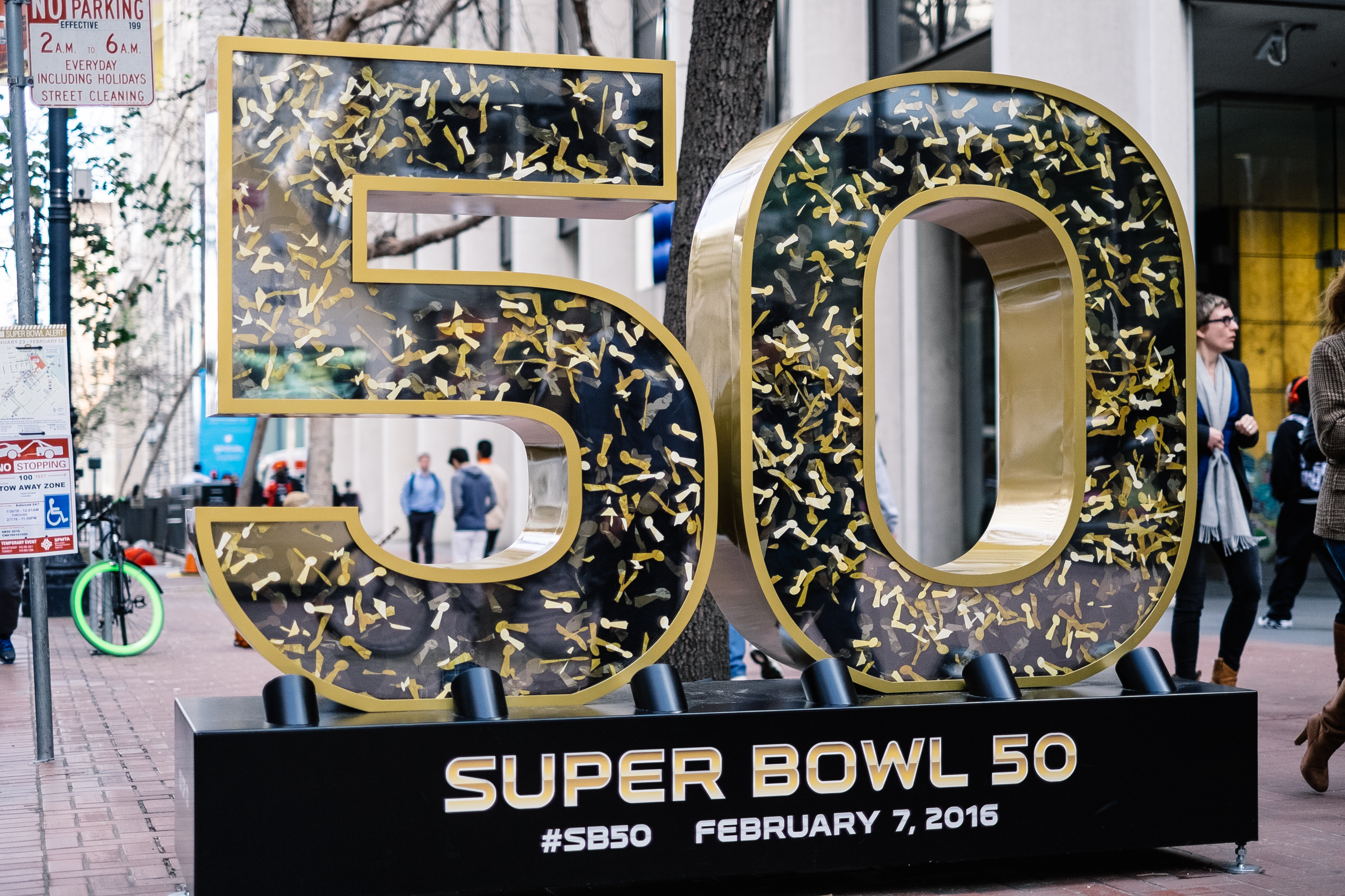 21 Songs To Play At Your Super Bowl 50 Party That Are Total