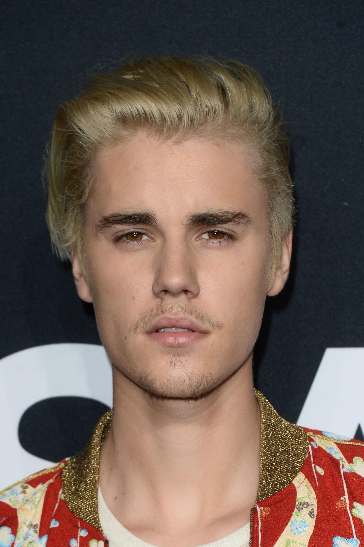 Justin Bieber\'s First Grammy Win Has Twitter Going Wild With Excitement