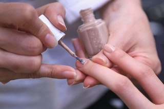 how to take off gel nail polish easily