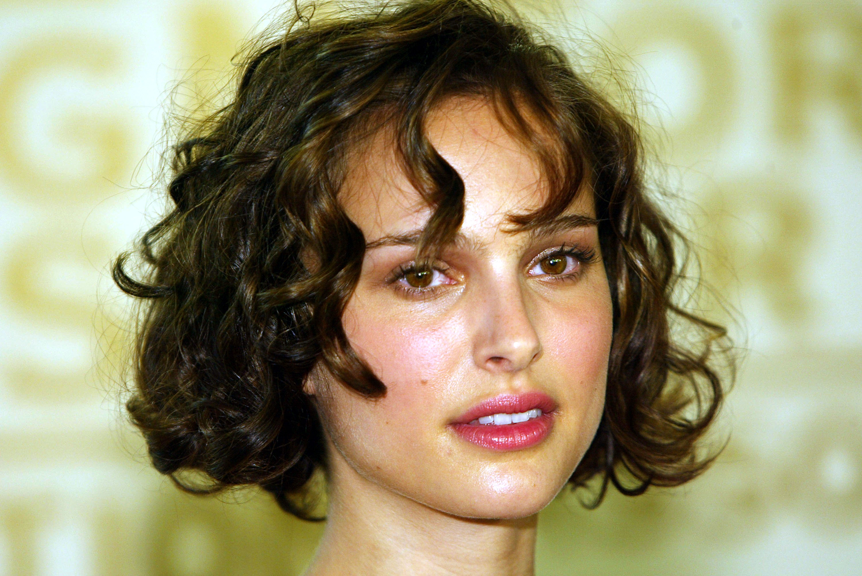 7 Hair Hacks For Growing Out Short Hair When It Seems
