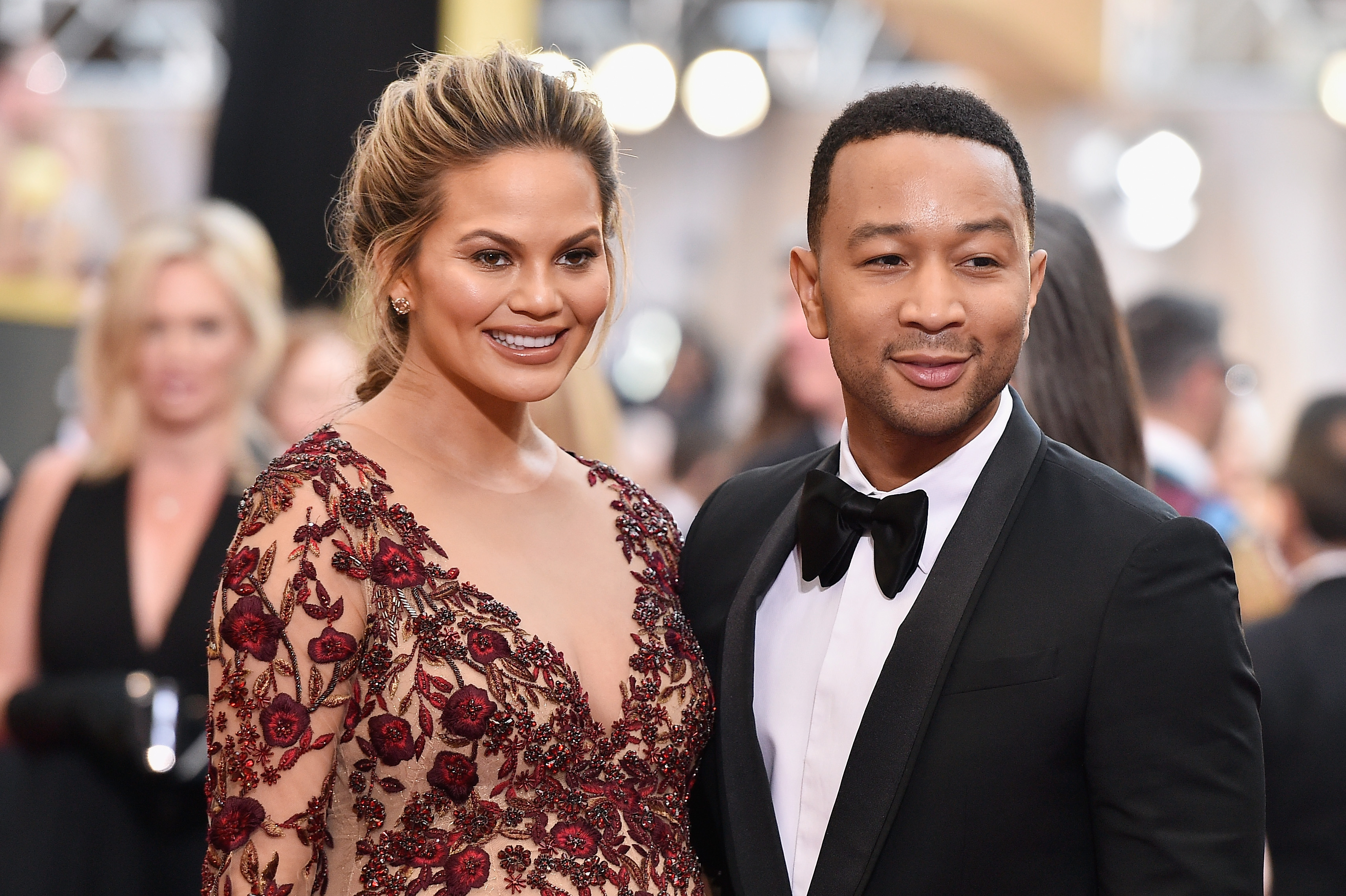 John Legend & Chrissy Teigen's Daugther Luna Looks Exactly ...