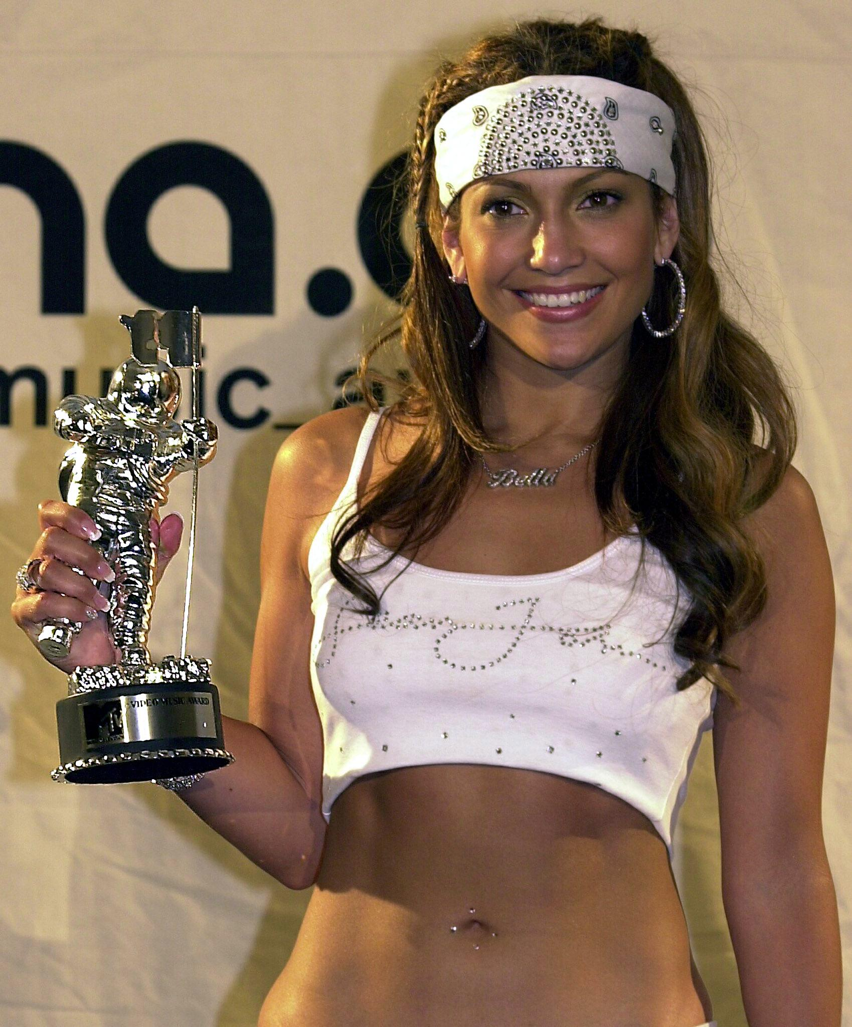 ab2ae54b18 17 Beloved Jennifer Lopez Outfits You Forgot About