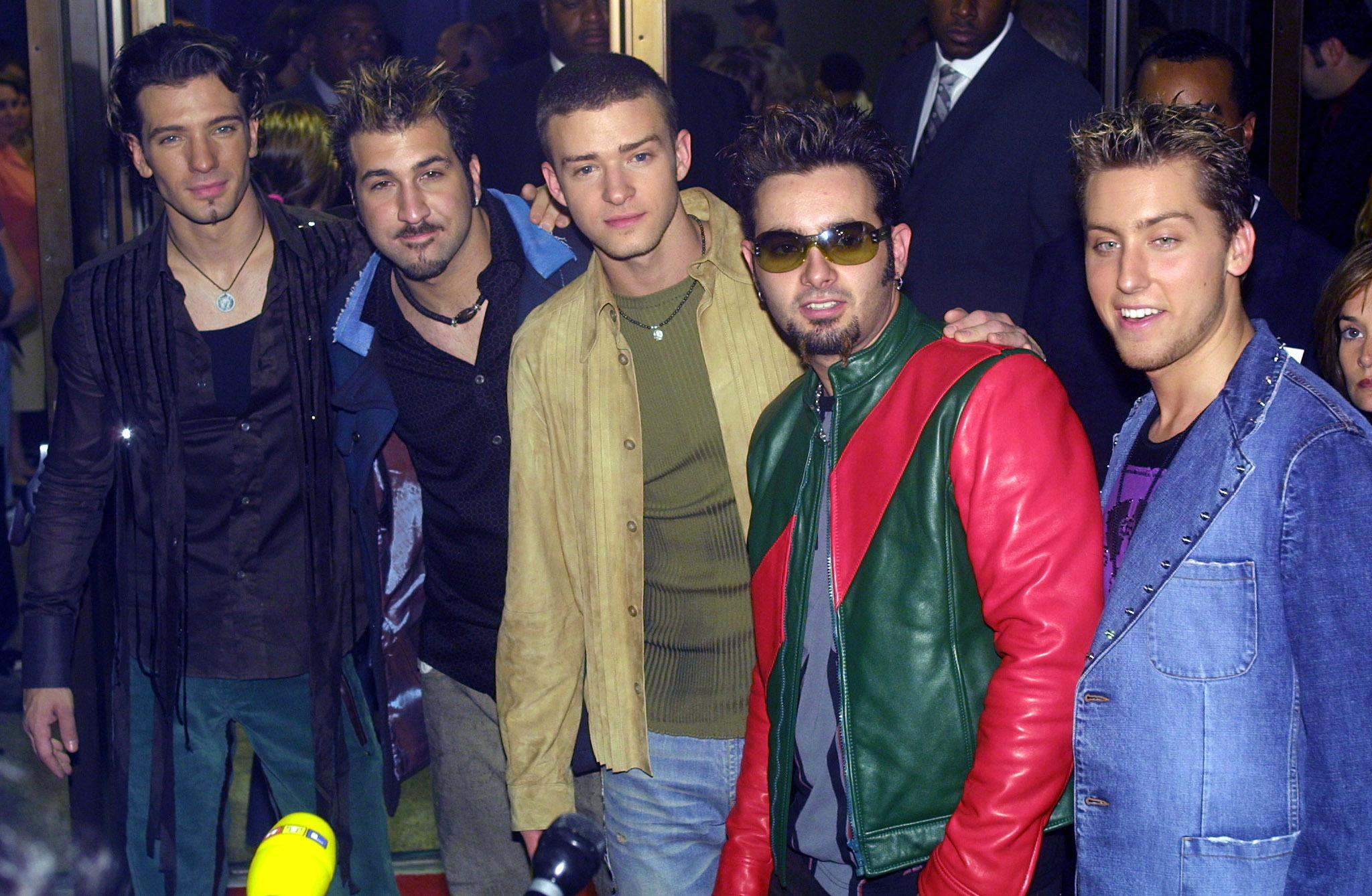 24 nsync merry christmas happy holidays video questions that may never be answered - Merry Christmas Happy Holidays Nsync