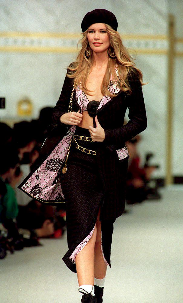 9 Times 39 90s Supermodels Out 39 90ed Themselves On The Runway Photos