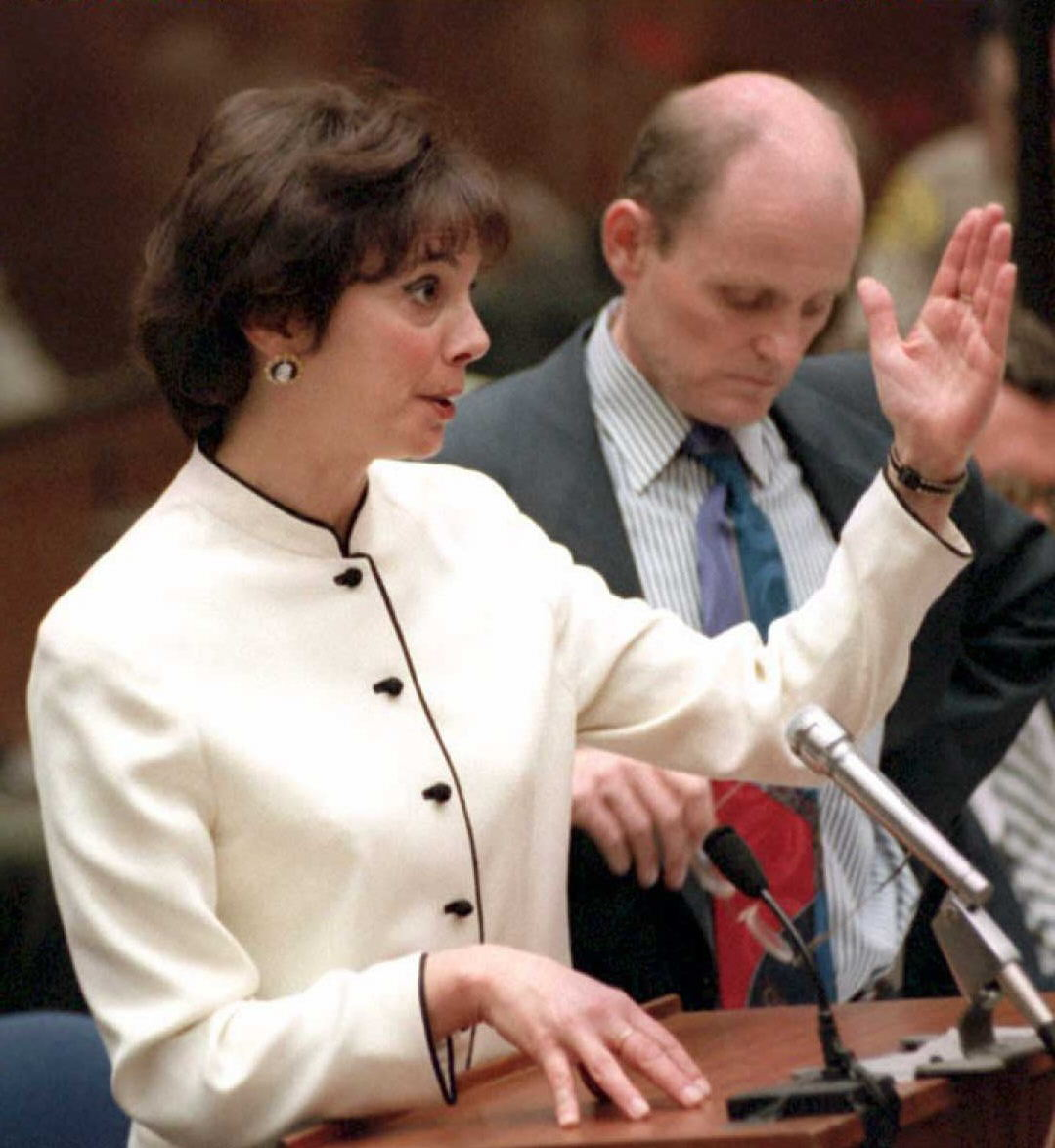 marcia clark 39 s haircut was a talking point during the o j. Black Bedroom Furniture Sets. Home Design Ideas