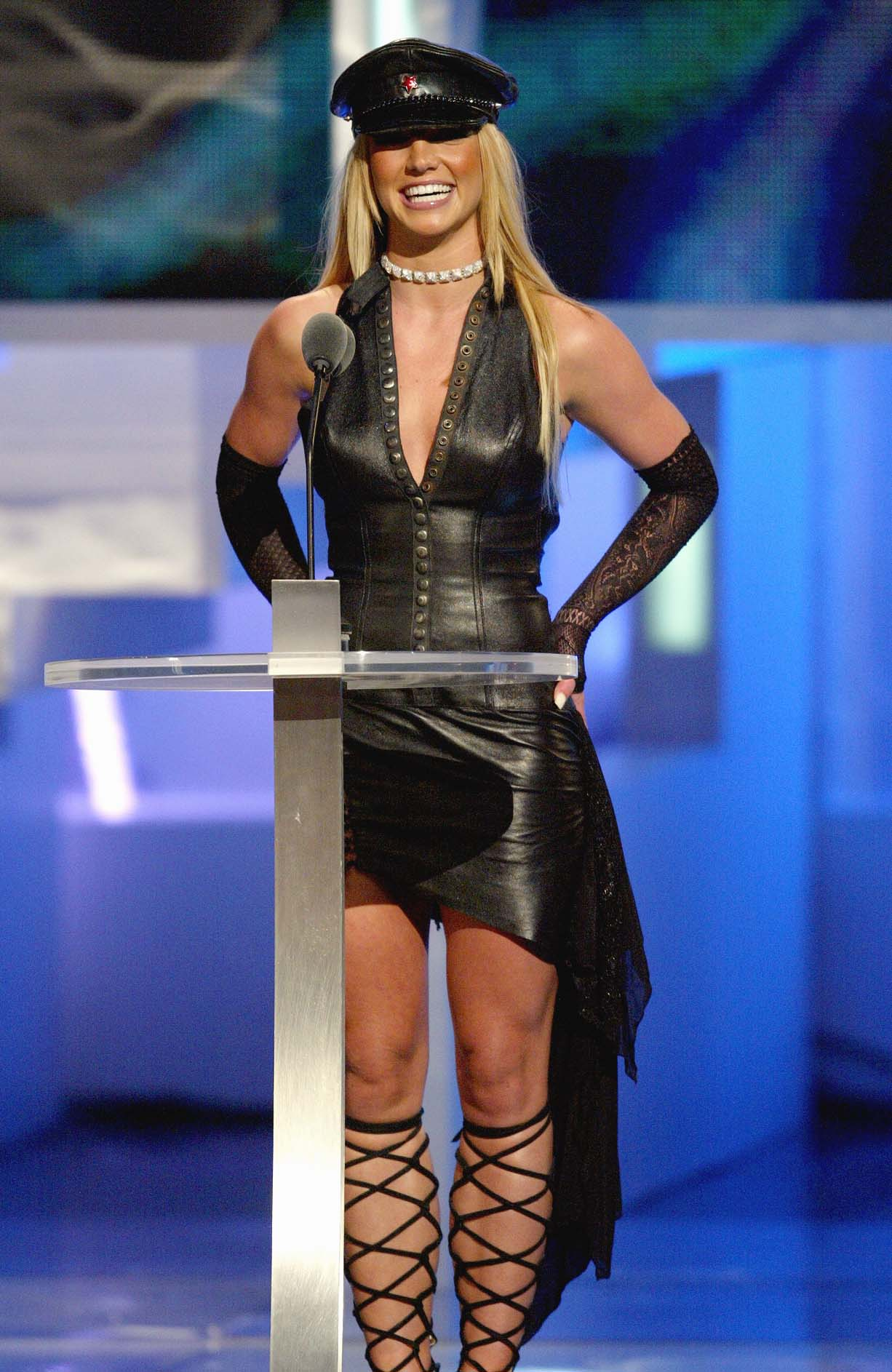 7 Ways Early Britney Spears Influenced Your Fashion Decisions And Probably  Still Does Today