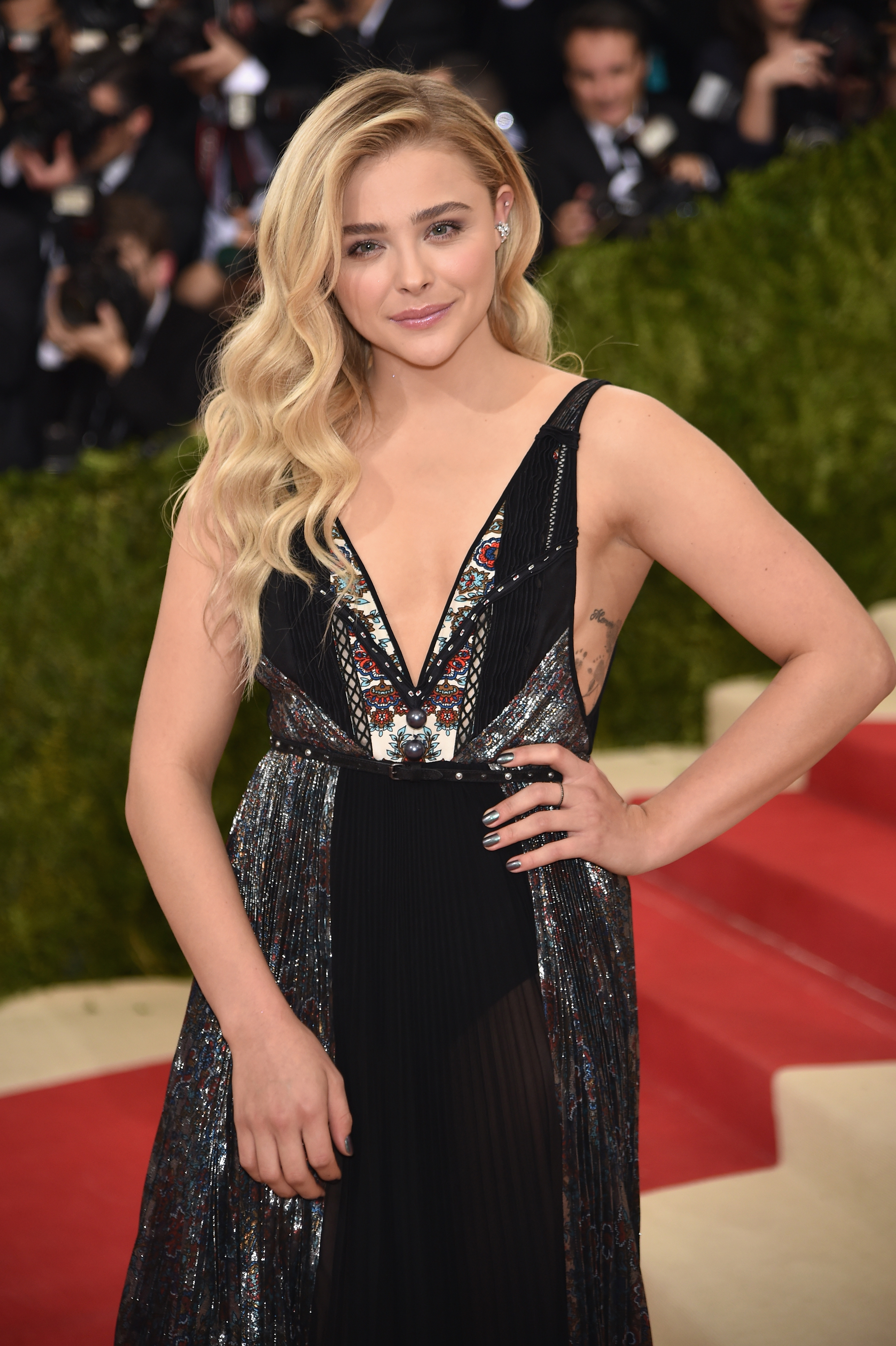 why chloe grace moretz doesn't want to go to college