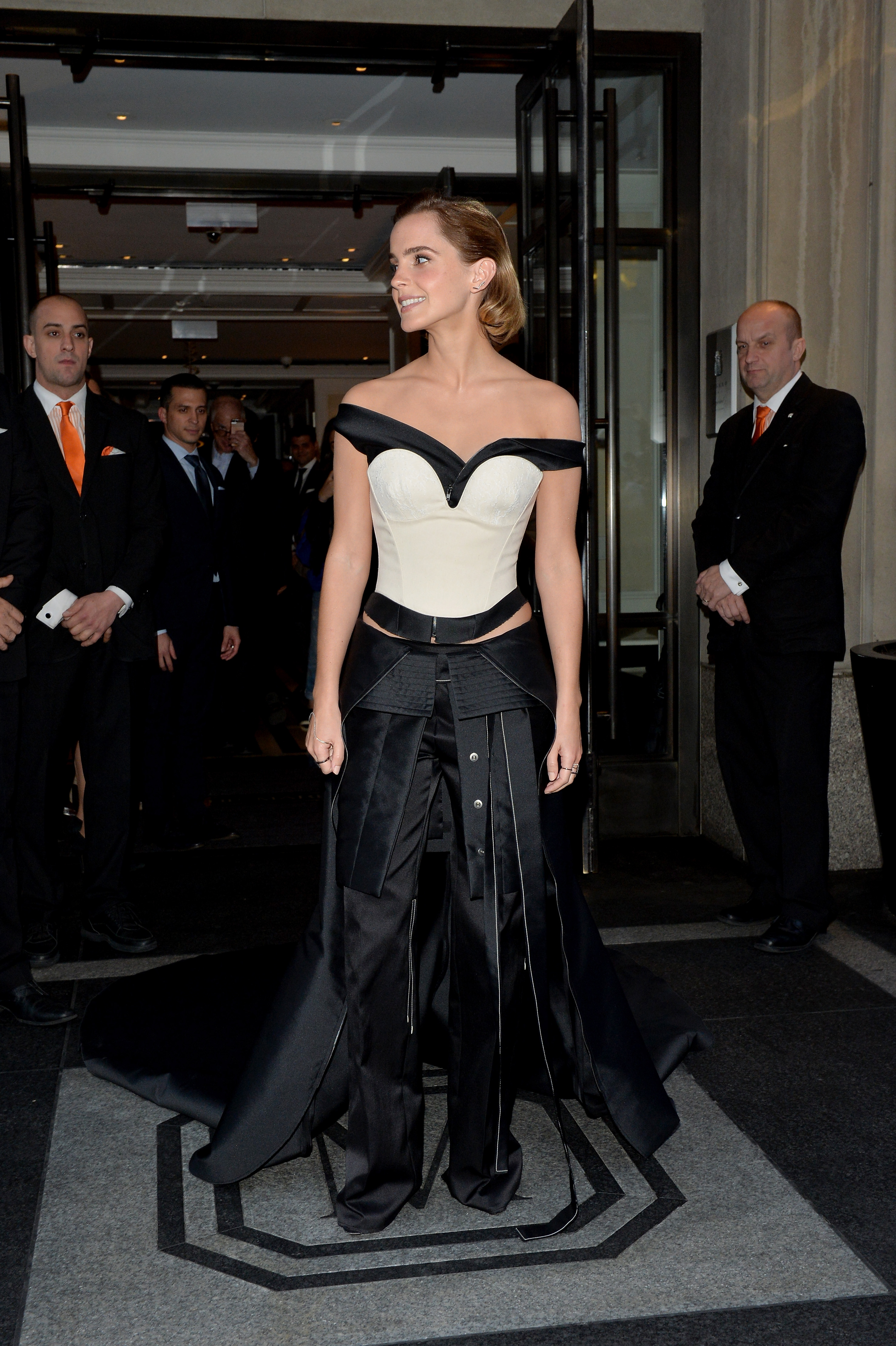Emma Watsons 2016 Met Gala Outfit Was Made Out Of Plastic Bottles