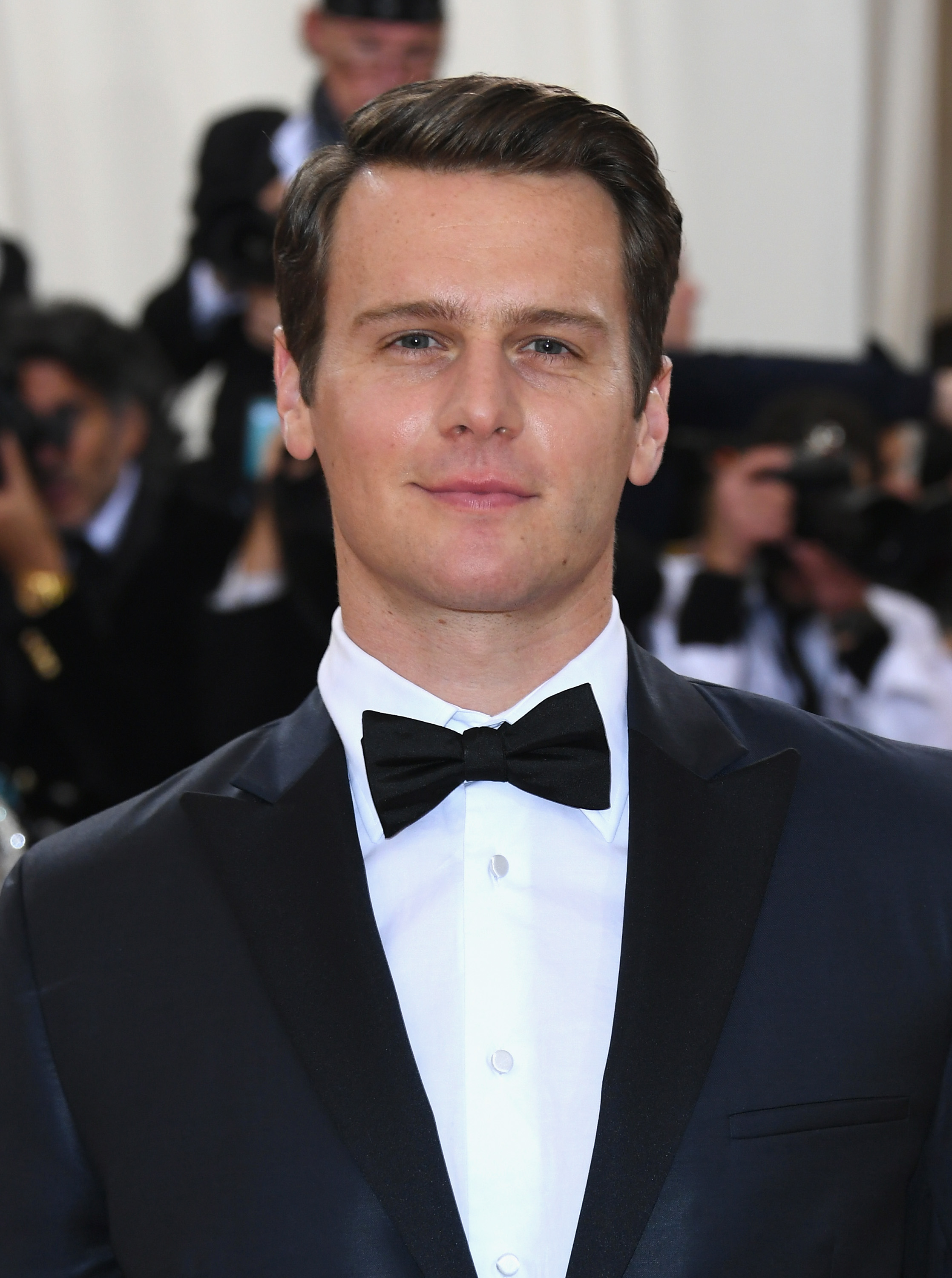 jonathan groff - photo #25