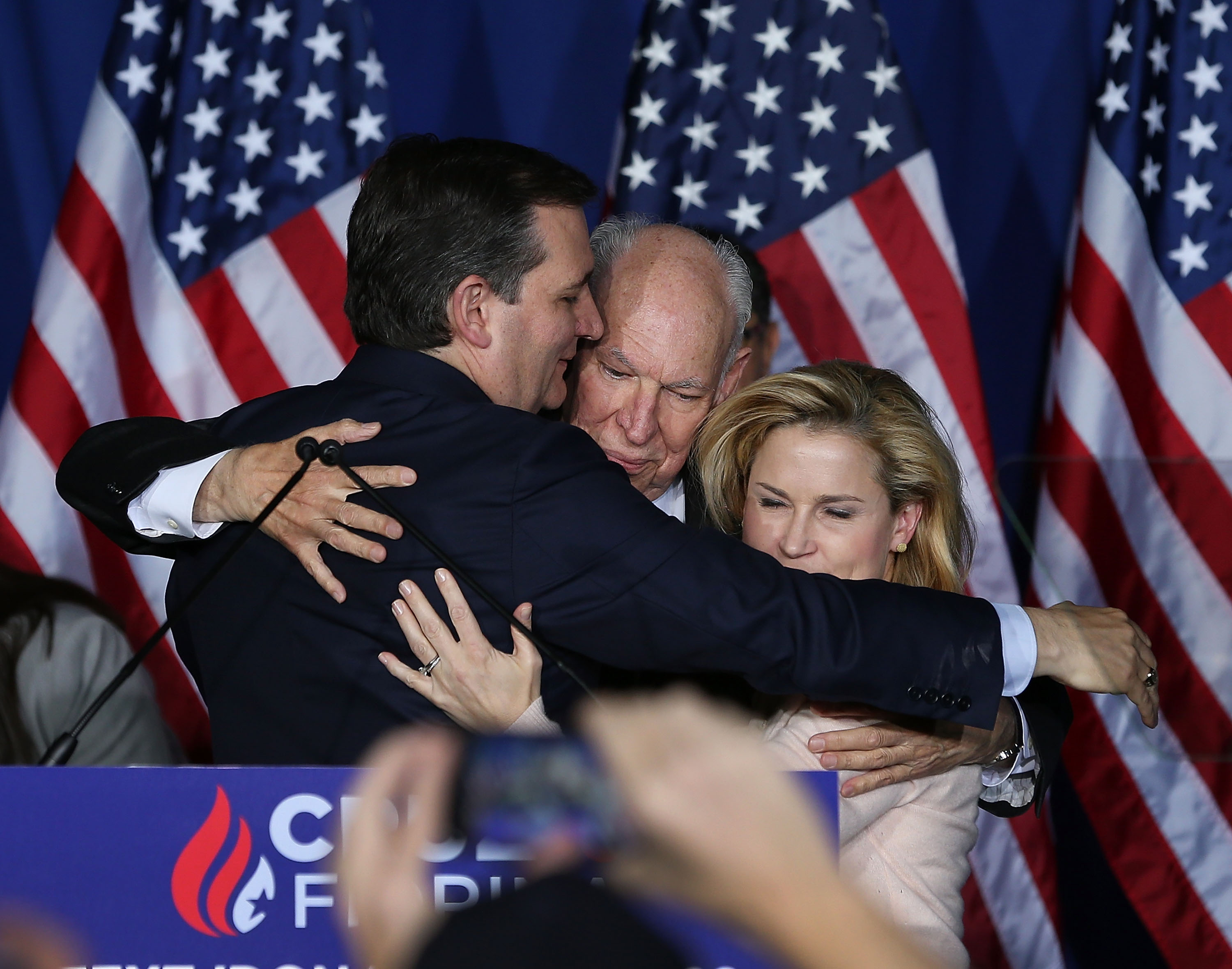 Heidi Cruz Was Elbowed In The Face The Gif Isnt Even The Most