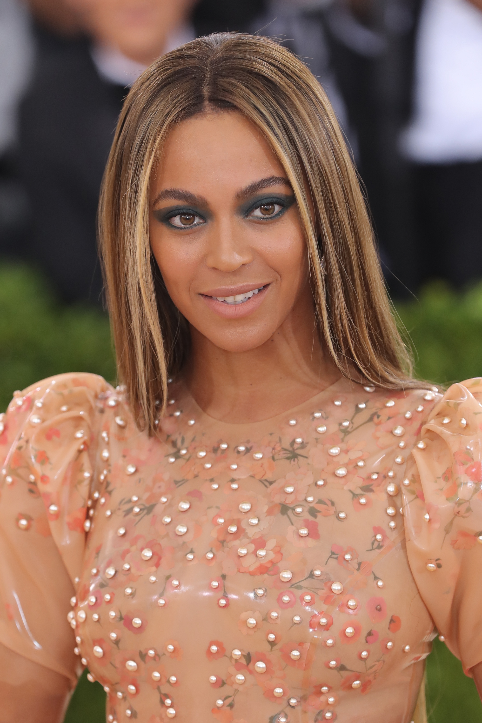 85b9c3b13d017 Beyonce s No Makeup Selfie Shows Off This Rarely Spotted Feature — PHOTO