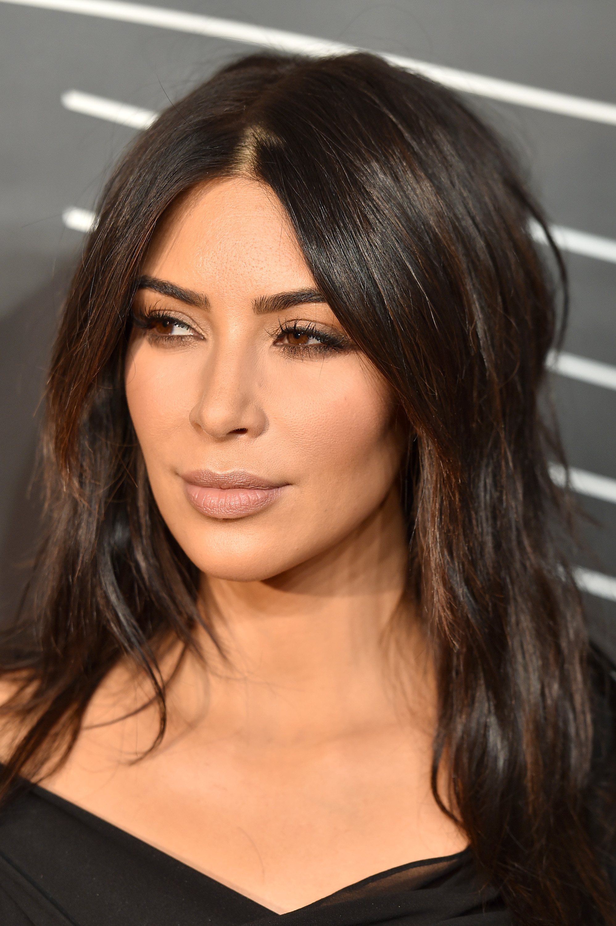 Is Kim Kardashians New Short Hair Cut Real Only Time Will Tell