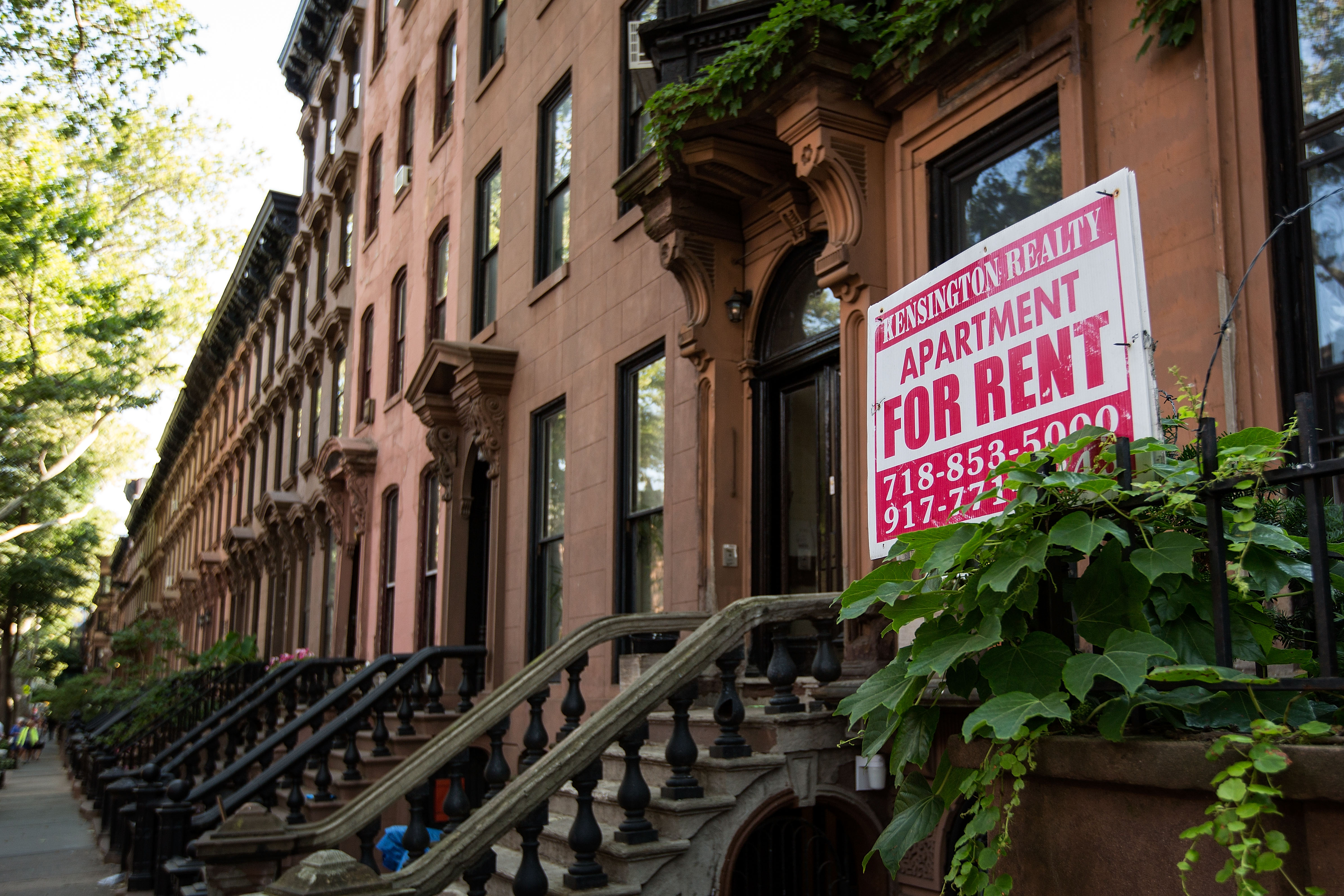 NYC's First Polyamorous-Only Apartment Is Here, and It's ...