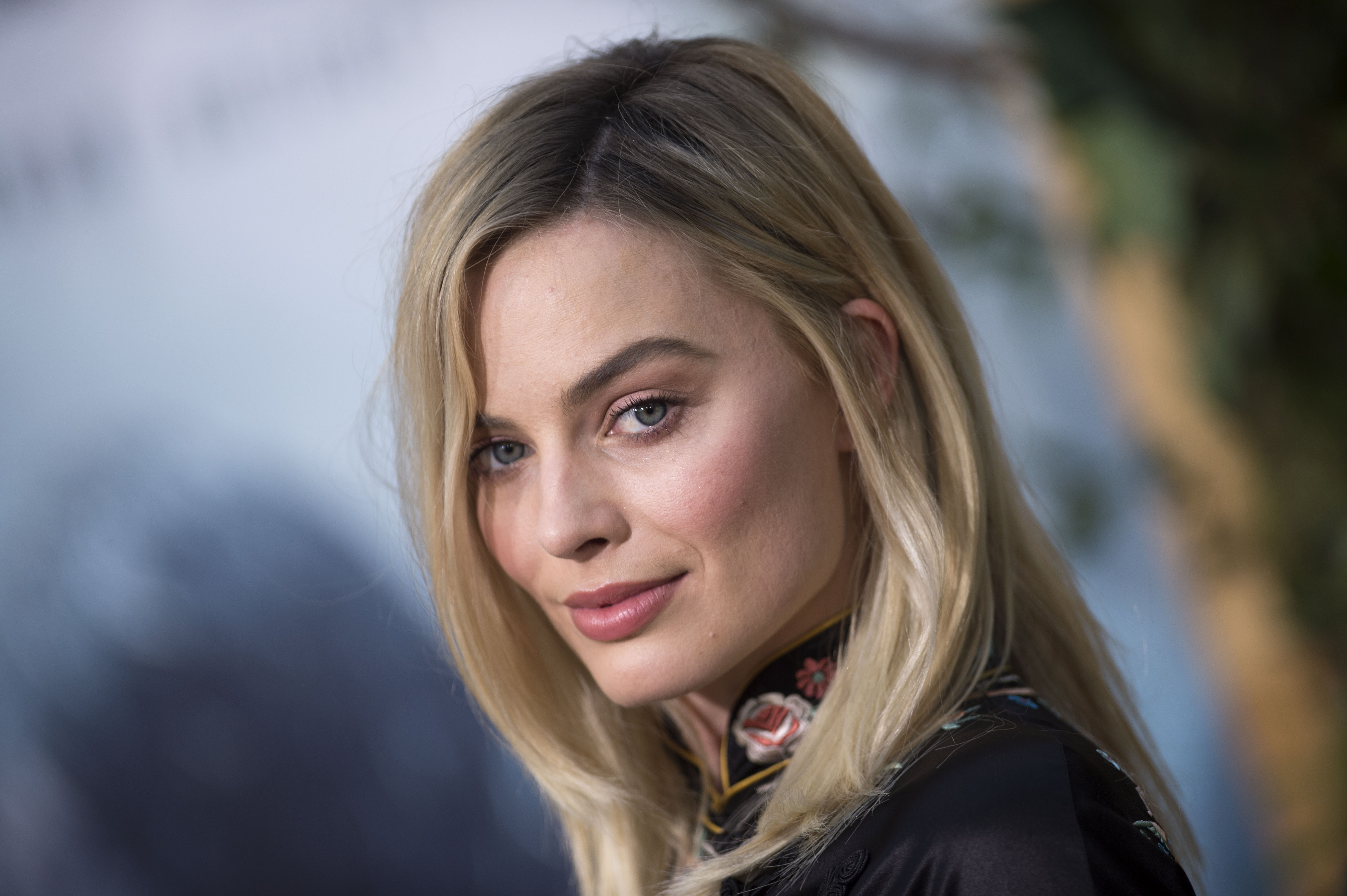 ackerly single women Margot robbie recently took a break from her filming schedule to enjoy playing the leading lady to her real life beau tom ackerley in london.
