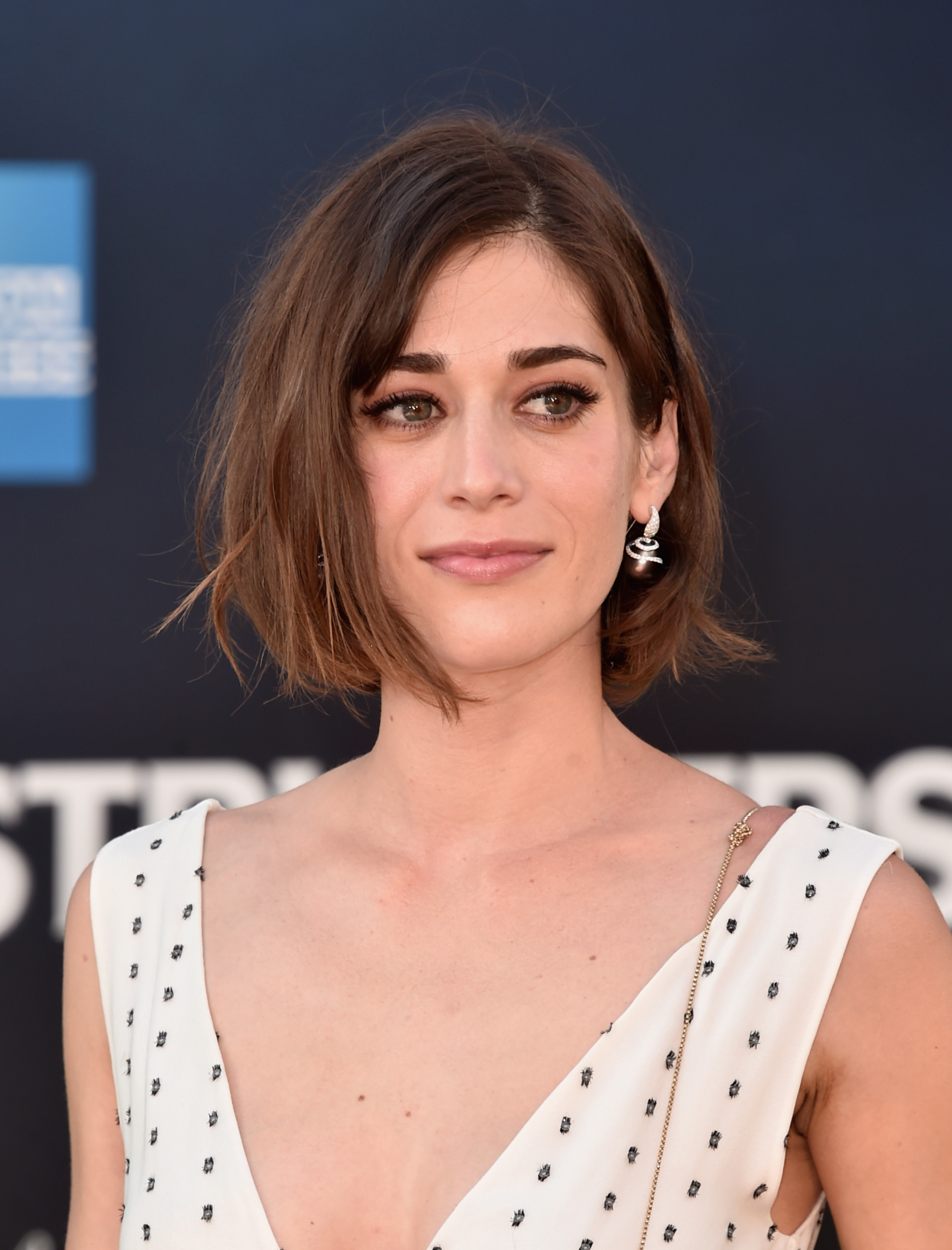 acclaimed actress lizzy caplan - HD 1920×2520