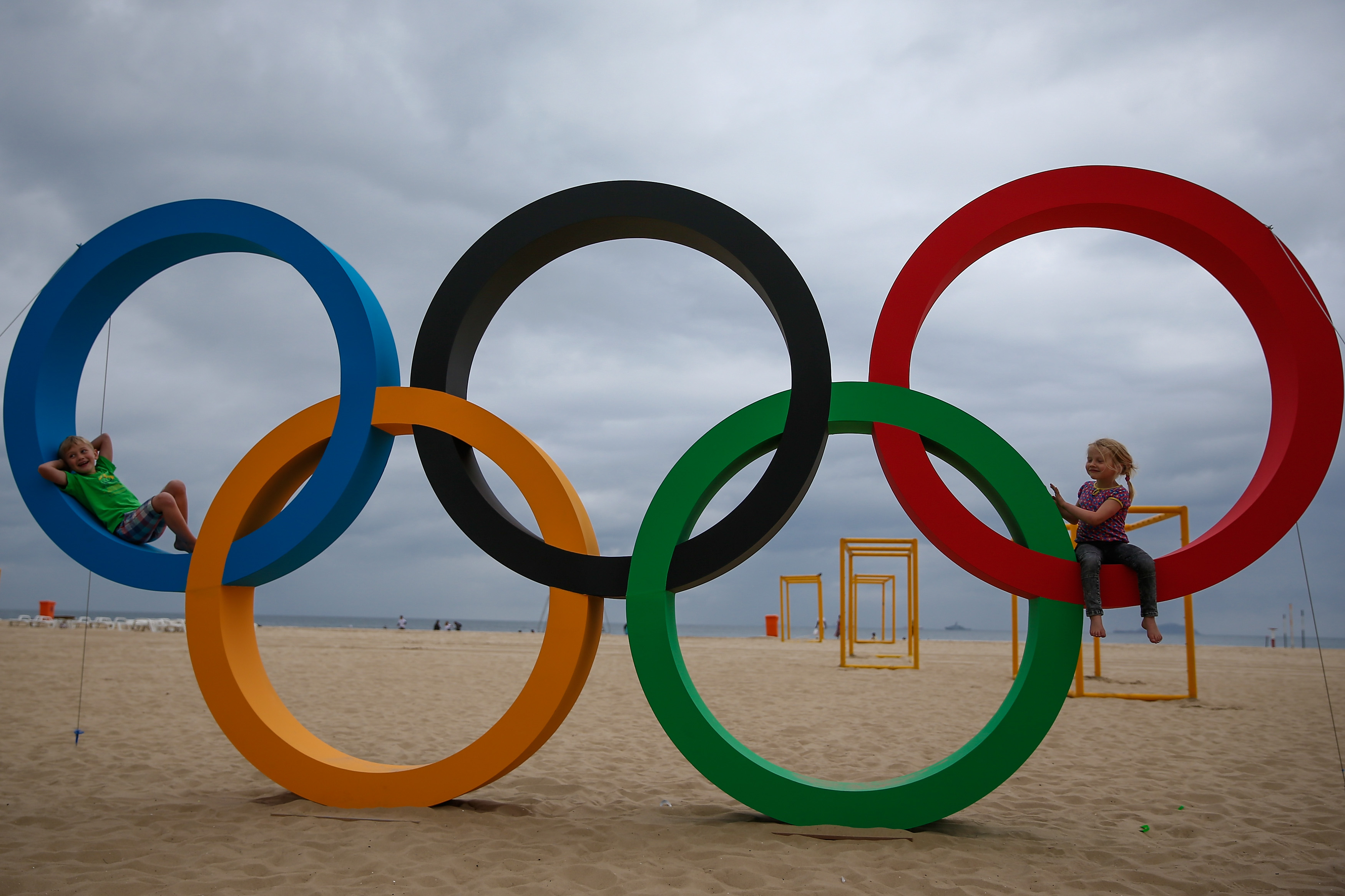 on rings digest white coverage ceremony olympic logo sochi sport the opening