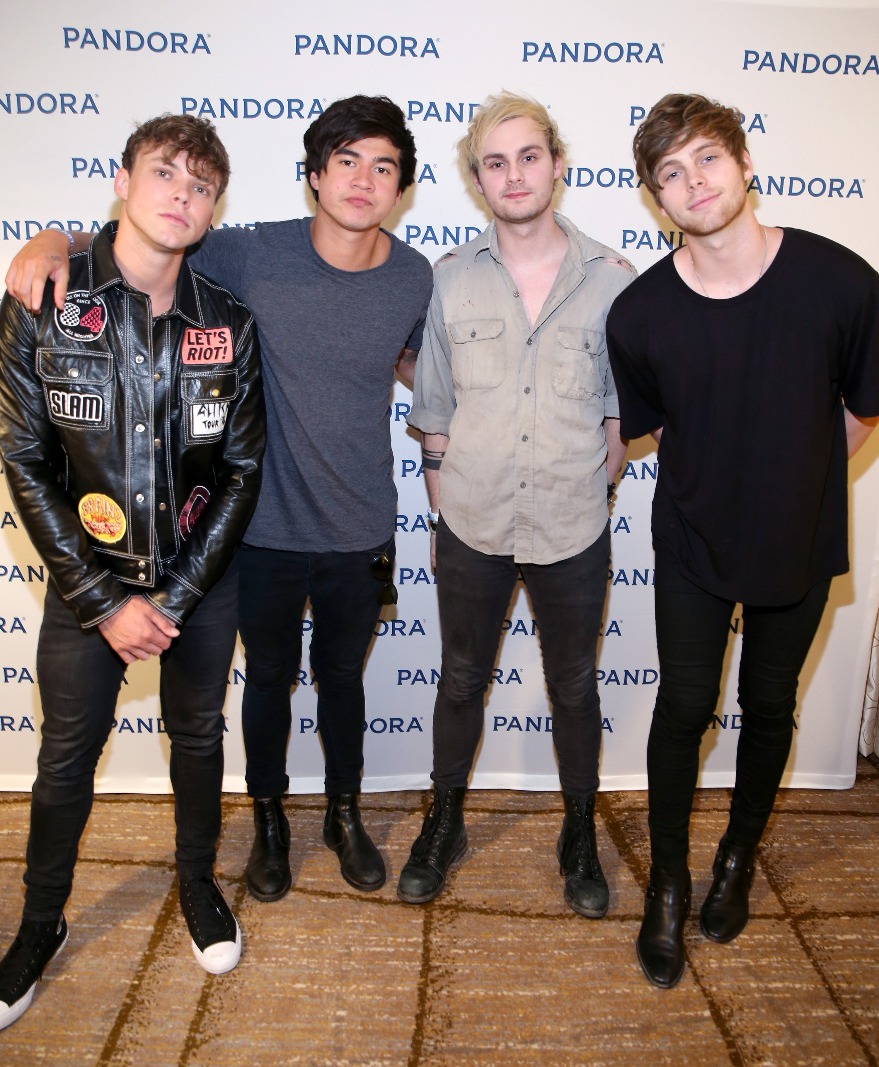 5 Seconds Of Summer Just Did The Coolest Thing For Their Fans Even If Security Didnt Approve S