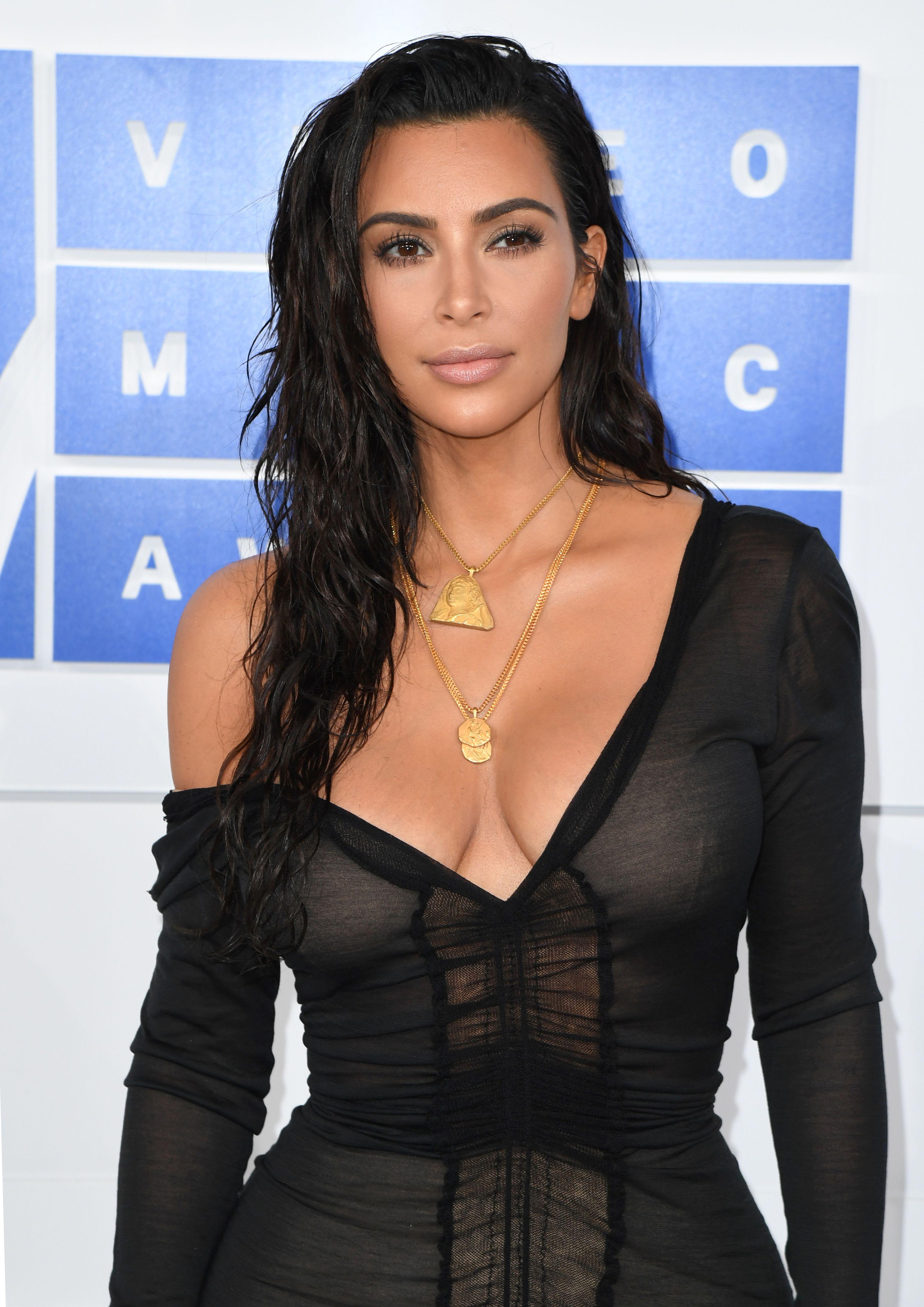 New Footage Shows Suspects Fleeing Kim Kardashians Robbery forecast