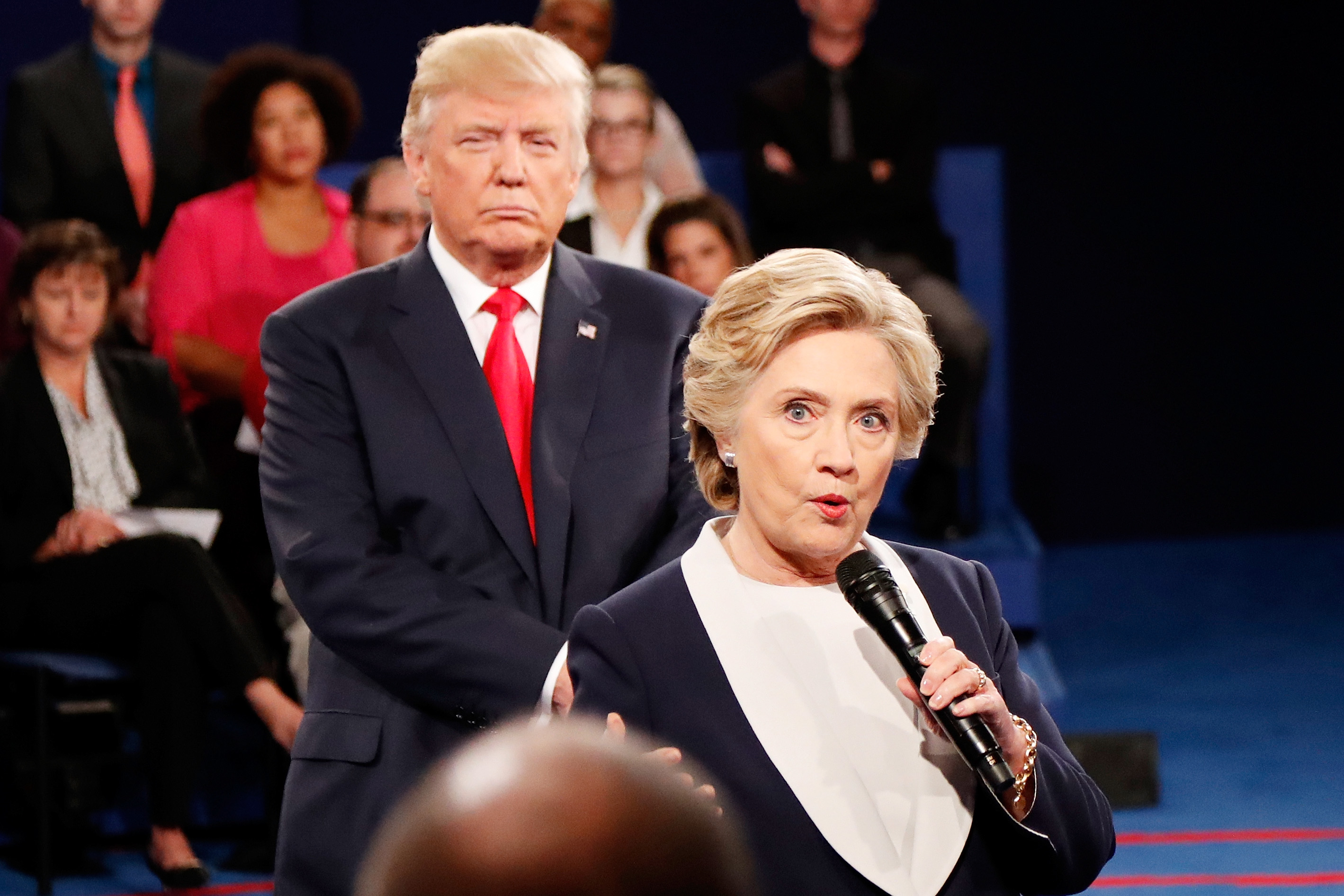 Hillary Vs Trump Funny Meme : Memes about donald trump standing so close to hillary clinton are