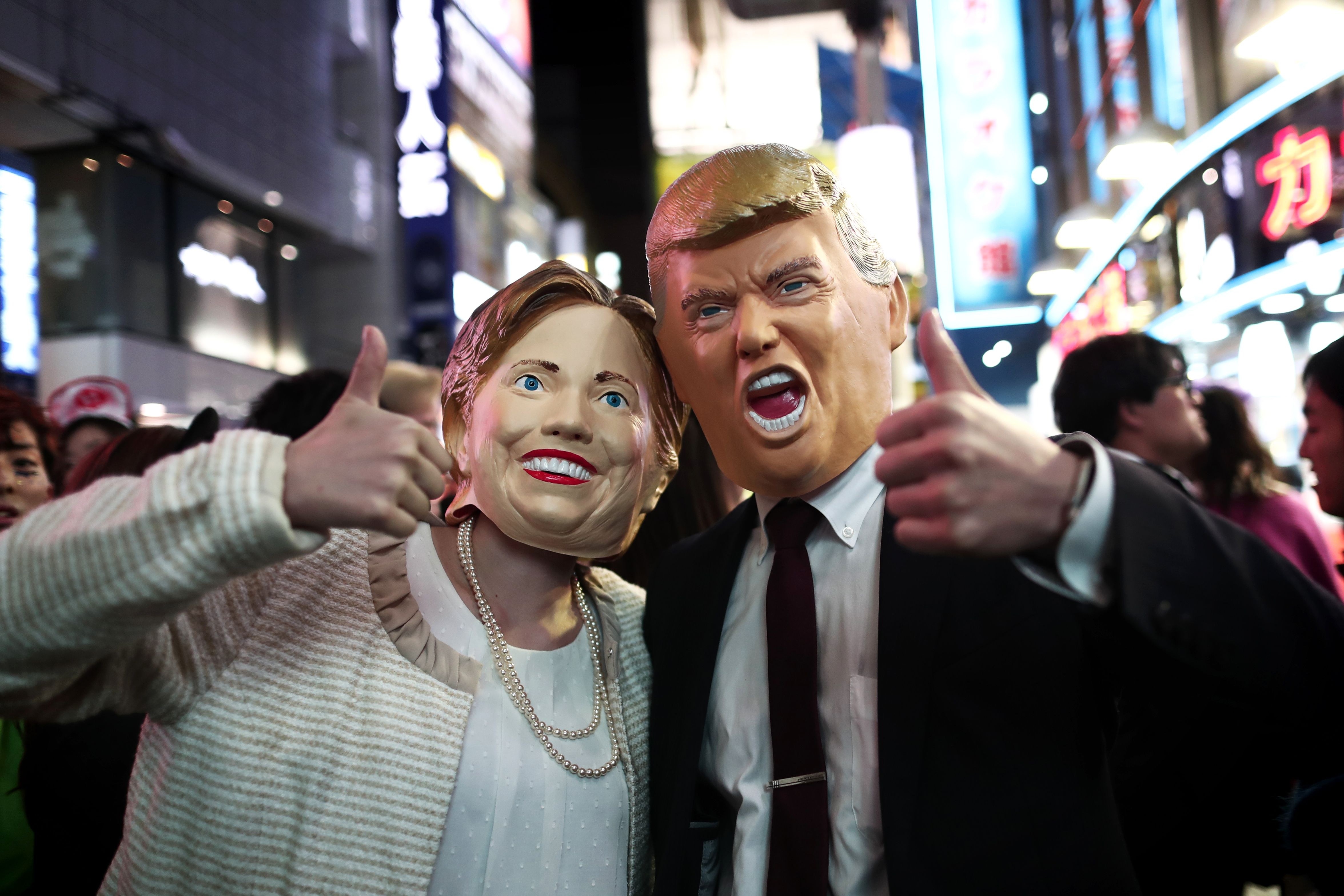 this donald trump lynching obama halloween costume is a perfect