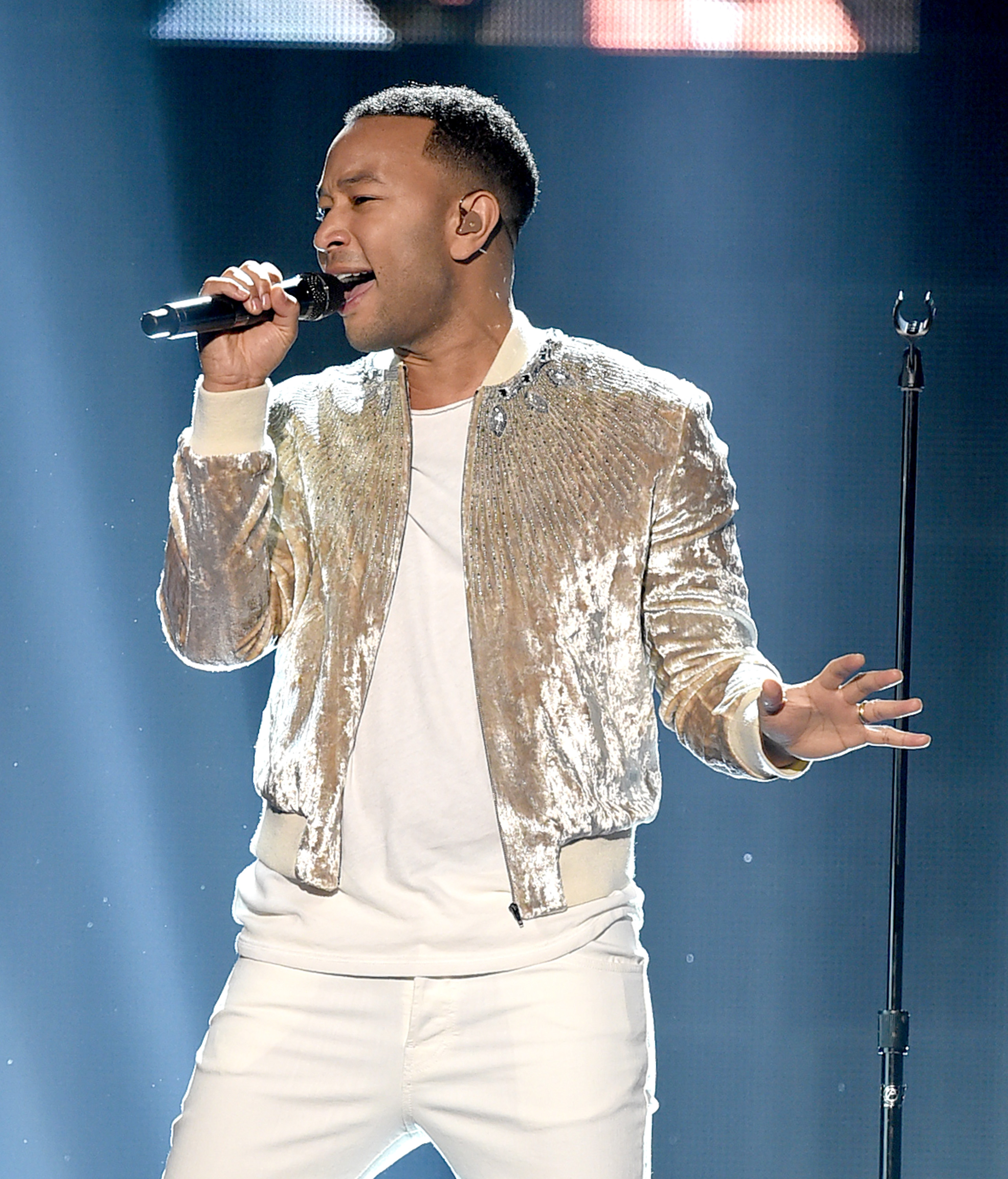 American Music Awards: Chrissy Teigen Flaunts Major Skin with John Legend