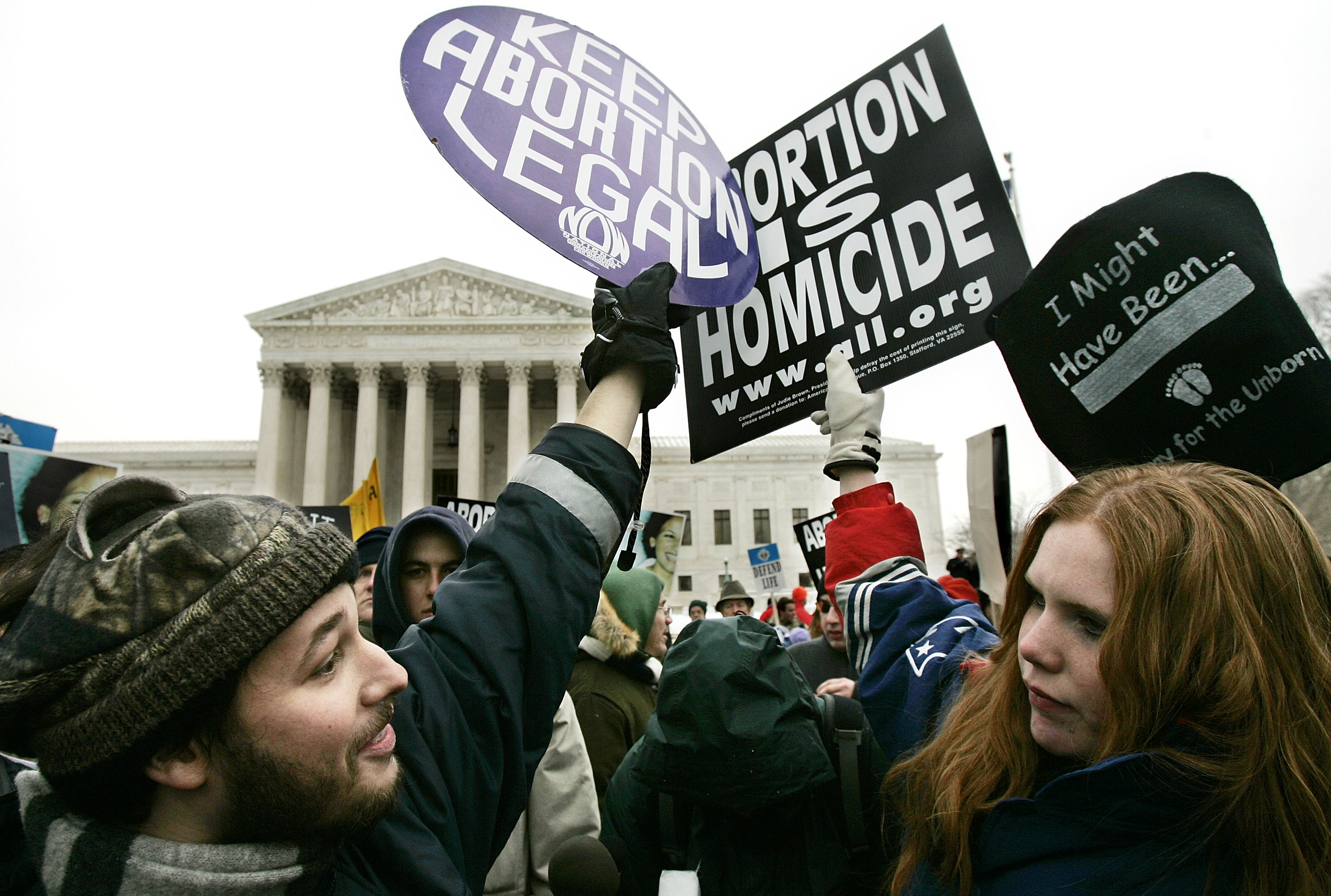 abortion in america the right to choose More than forty years ago, the us supreme court decided roe v wade, the landmark case that secured a woman's right to abortion since then, extremist politicians have been trying to take that decision out of a woman's handsin some states, politicians are pushing through laws that ban most abortions.