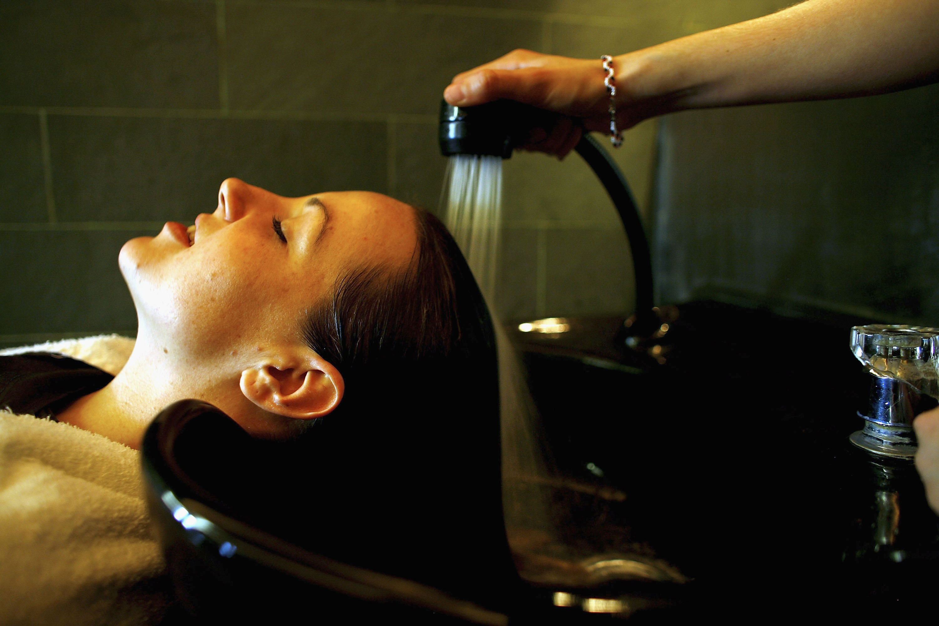 How Much To Tip 9 Types Of Beauty Professionals If Youre Really Not