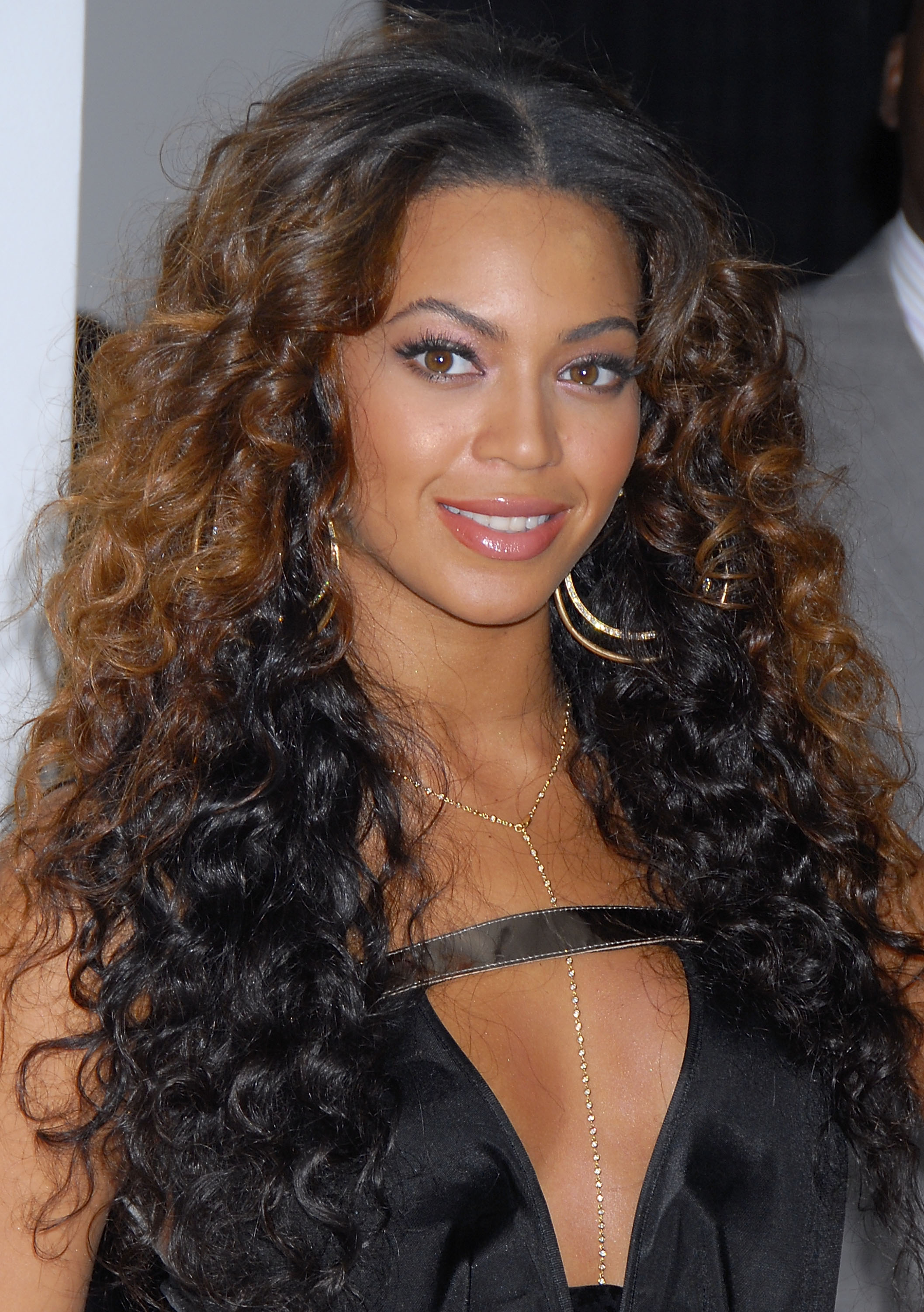 Beyonce Dark Brown Hair Hair Color Ideas And Styles For 2018