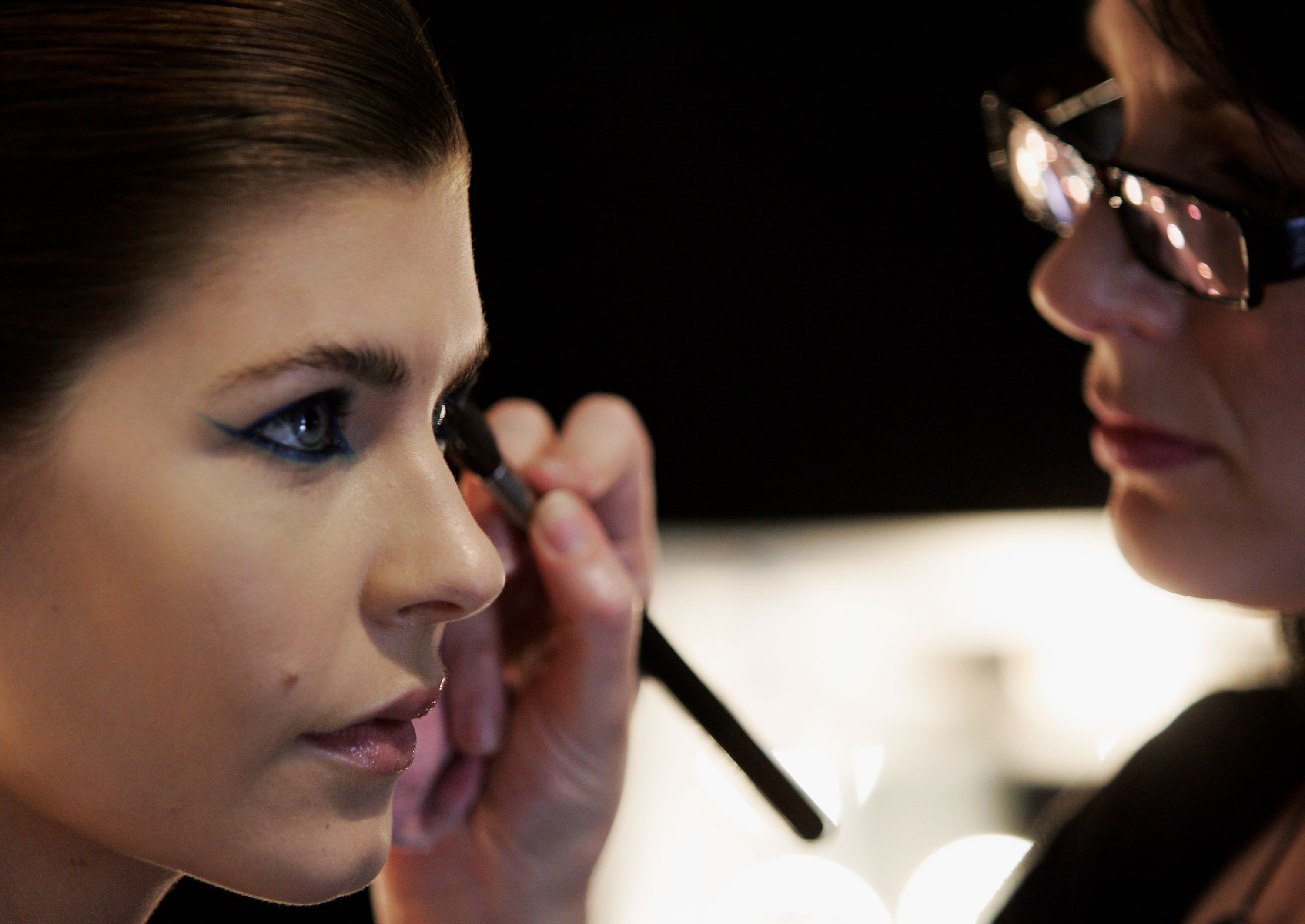 How To Keep Eye Makeup In Place All Day, Because Nobody Wants Smeared  Eyeliner