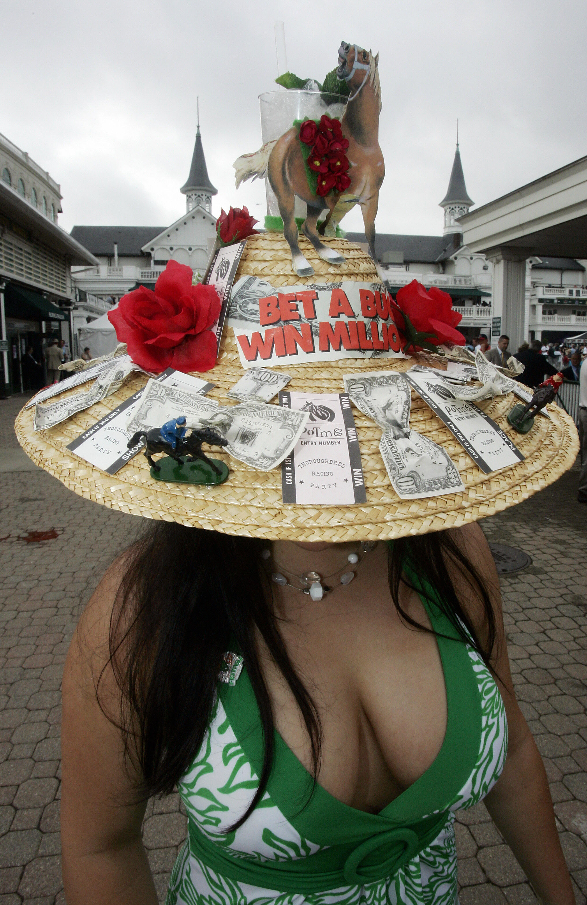 25 Craziest Kentucky Derby Hats Of All Time So You Can Keep The