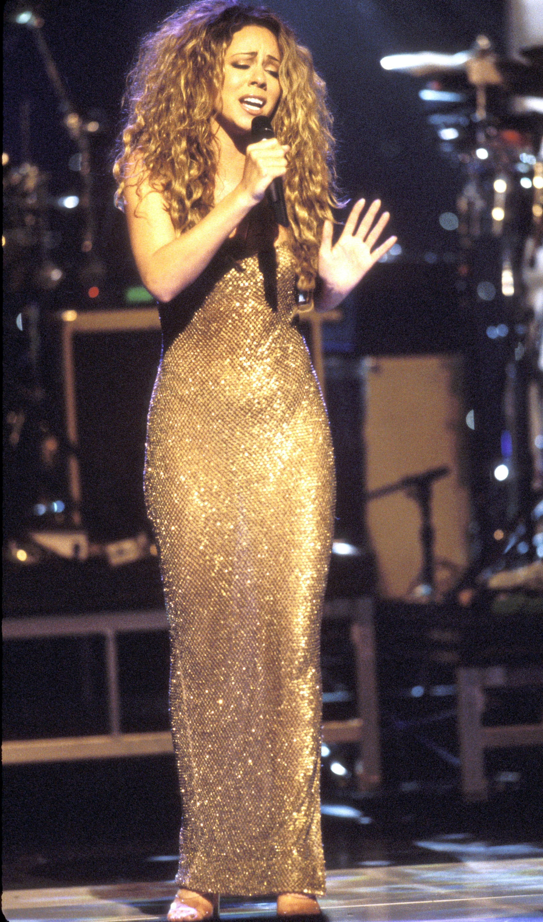 10 Outfits That Prove Mariah Carey Was The Queen Of \u002790s Fashion ...