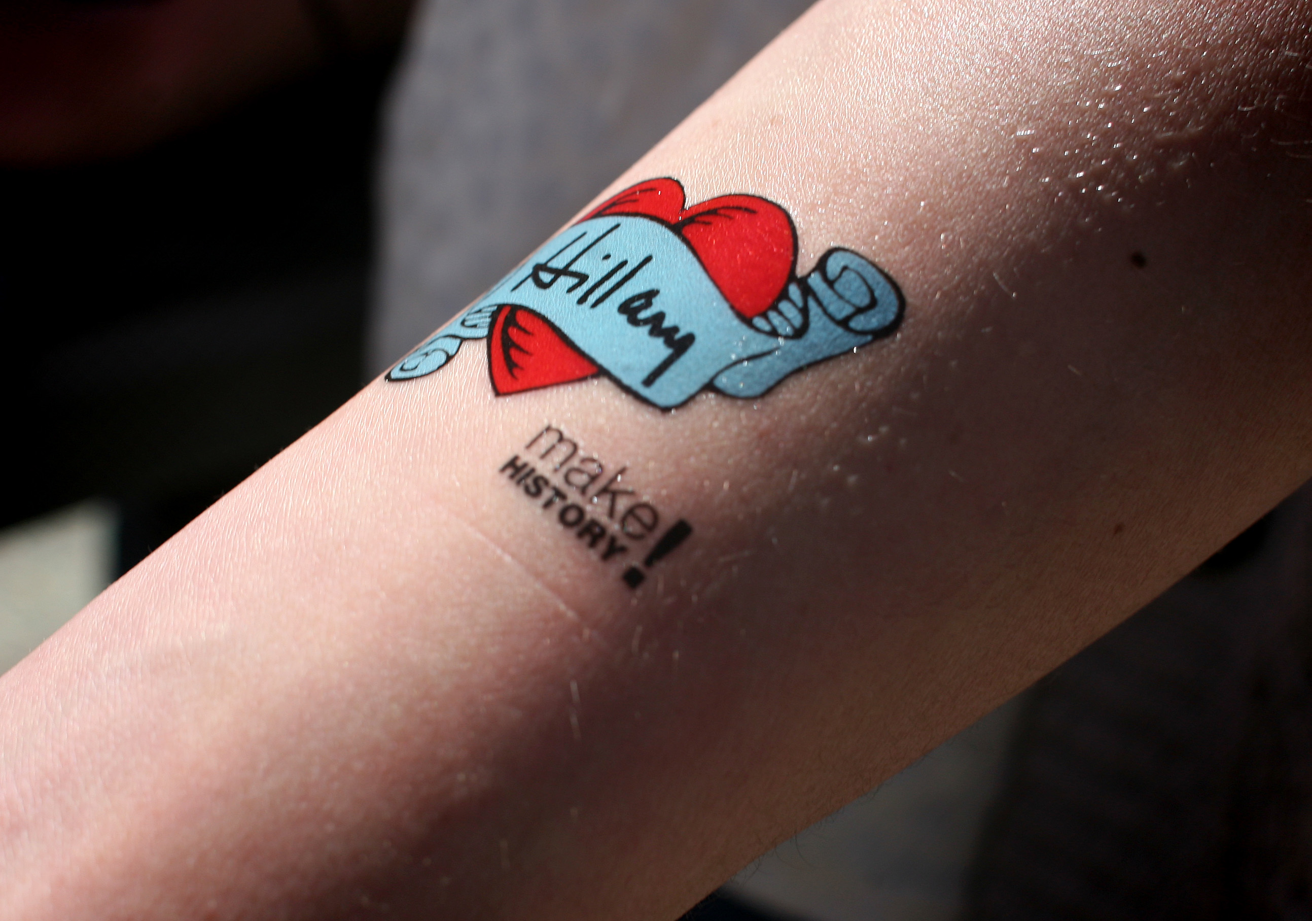 420870bbab4e3 How to use Political Temporary Tattoos for Effective Campaigns - Gumtoo