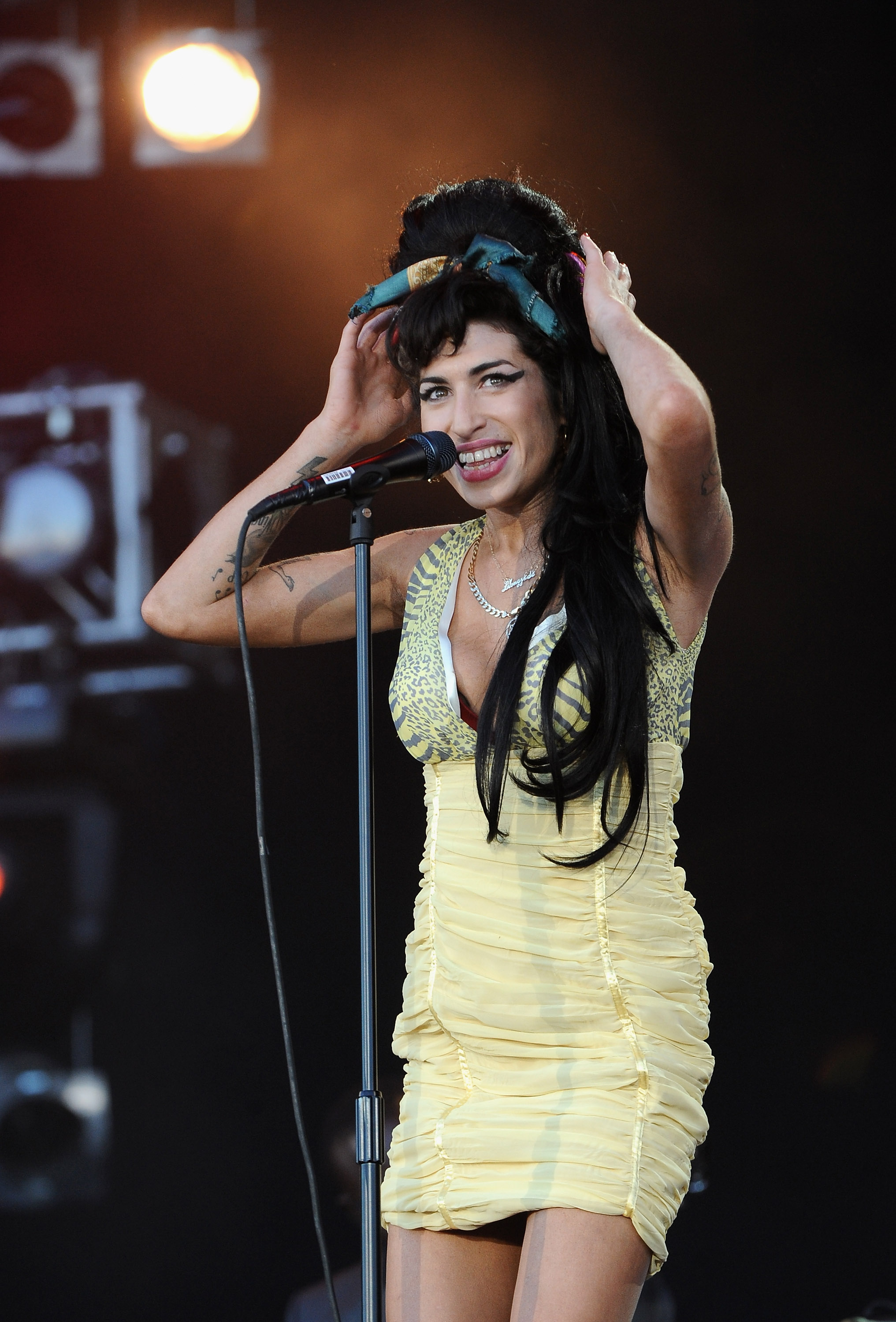 Amy Winehouses Beehive Eyeliner Were As Big And Beautiful As Her