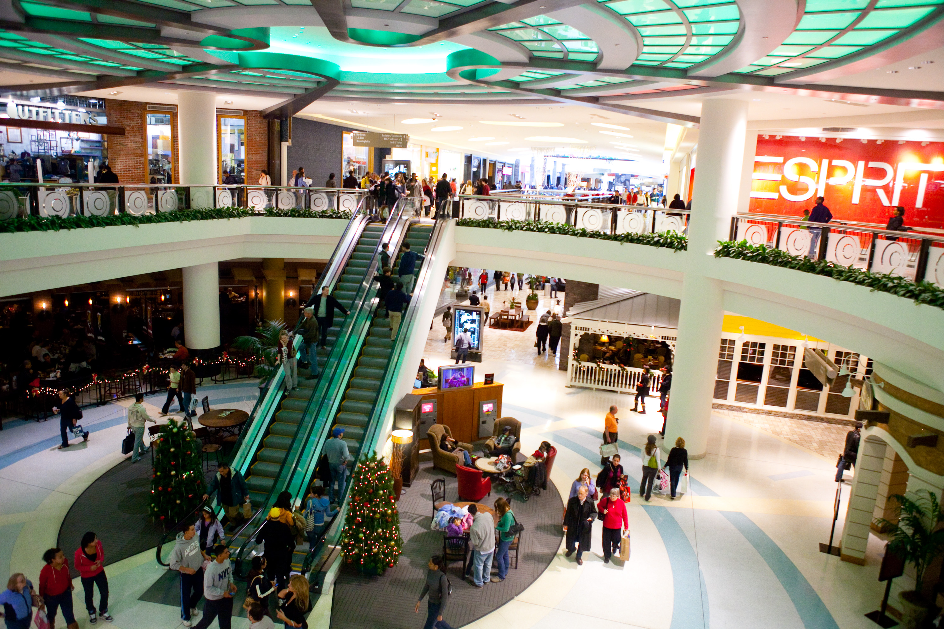 10 last minute shopping tips so navigating the mall on christmas eve wont be nearly as painful - What Time Does The Mall Close On Christmas Eve