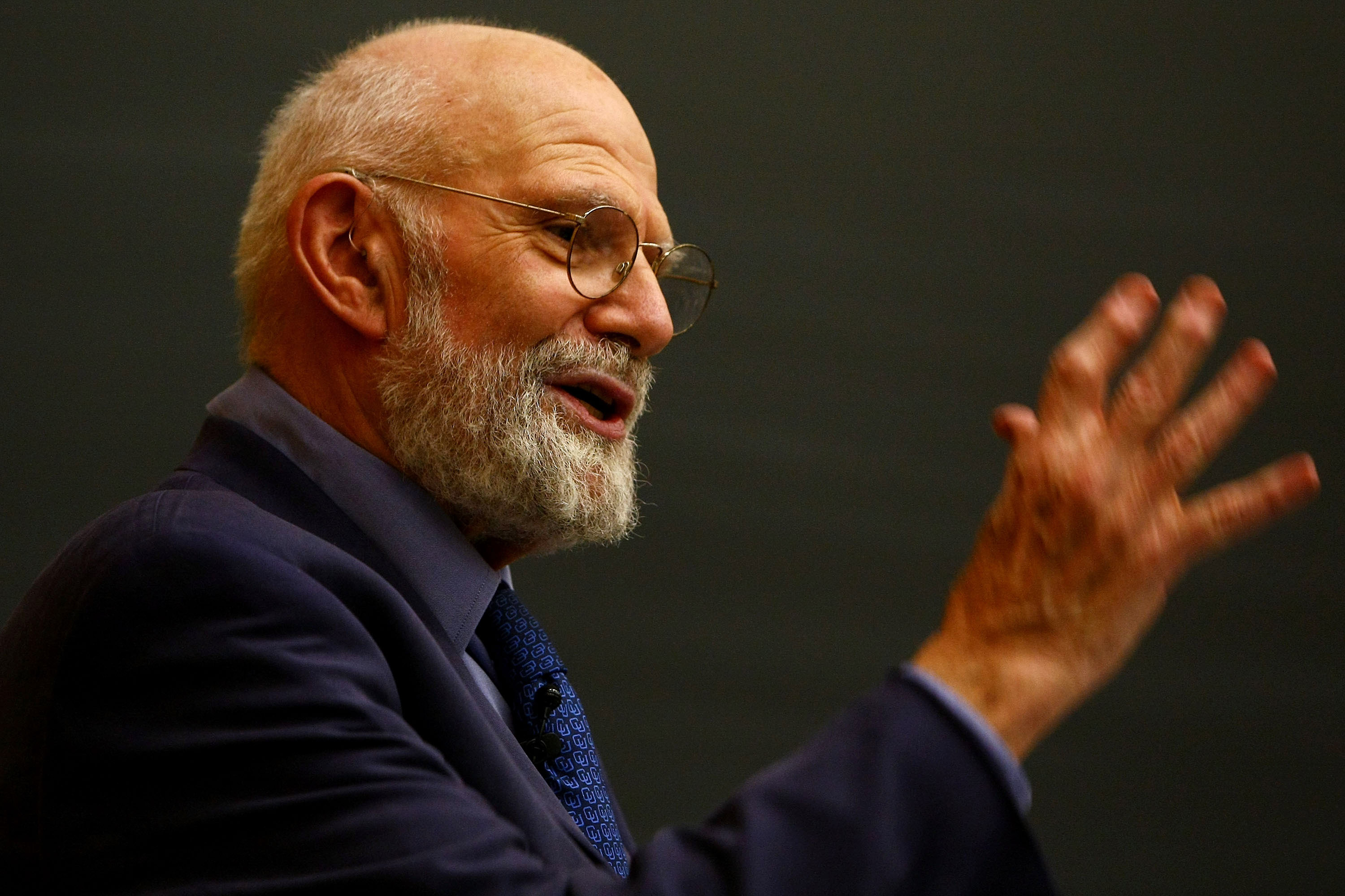 8 Beautiful Oliver Sacks Quotes That Illustrate His Inspiring Mission To Understand The Mind