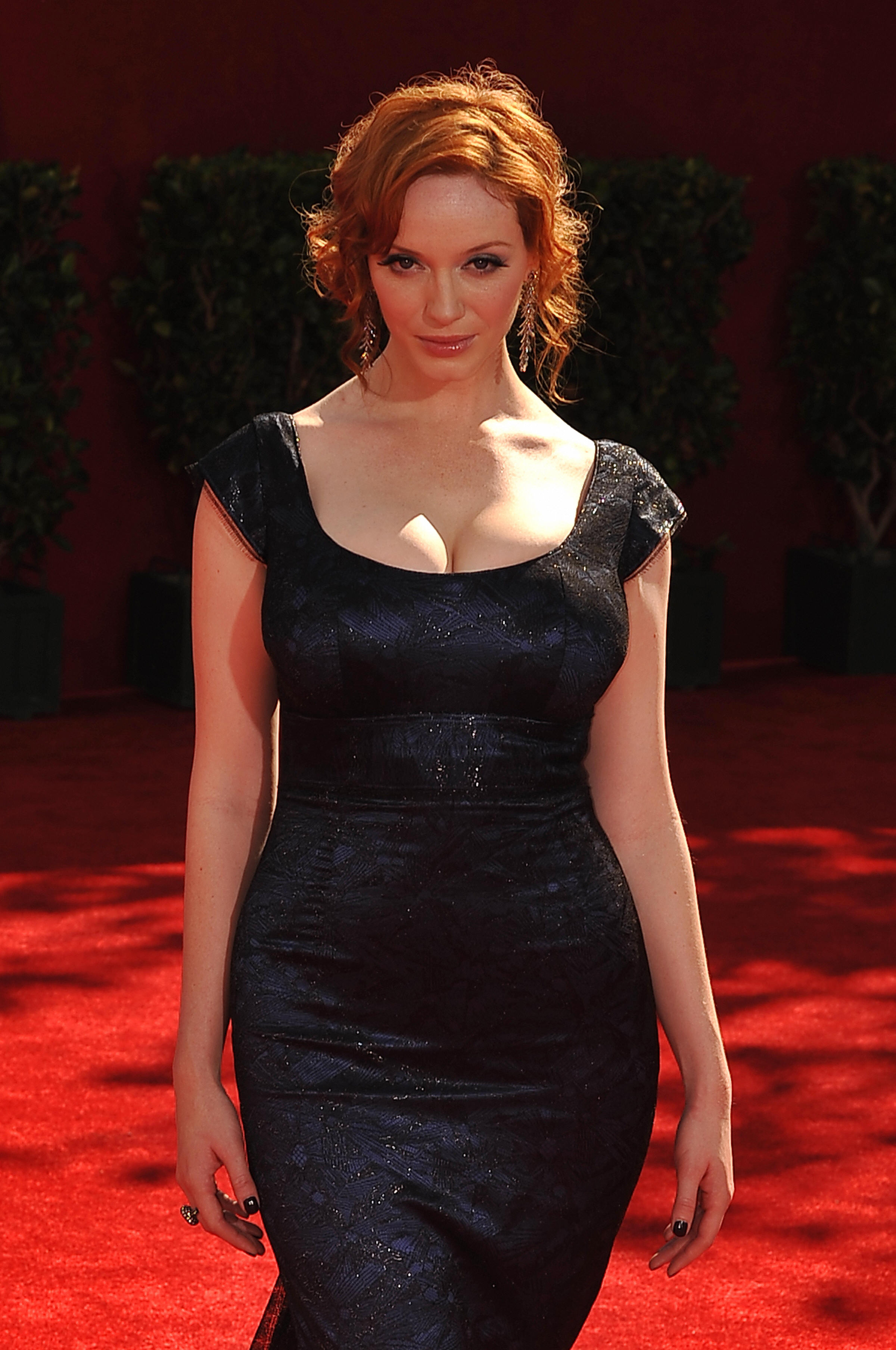 hendricks black single men A letter to men by christina hendricks about a month after we started dating, he bought me this amazing black-and-white what would your letter to men.