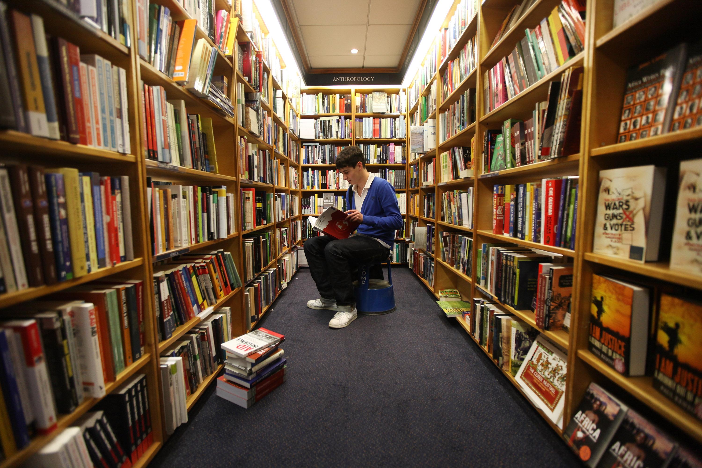 men-inside-an-adult-bookstore-tantra-sex