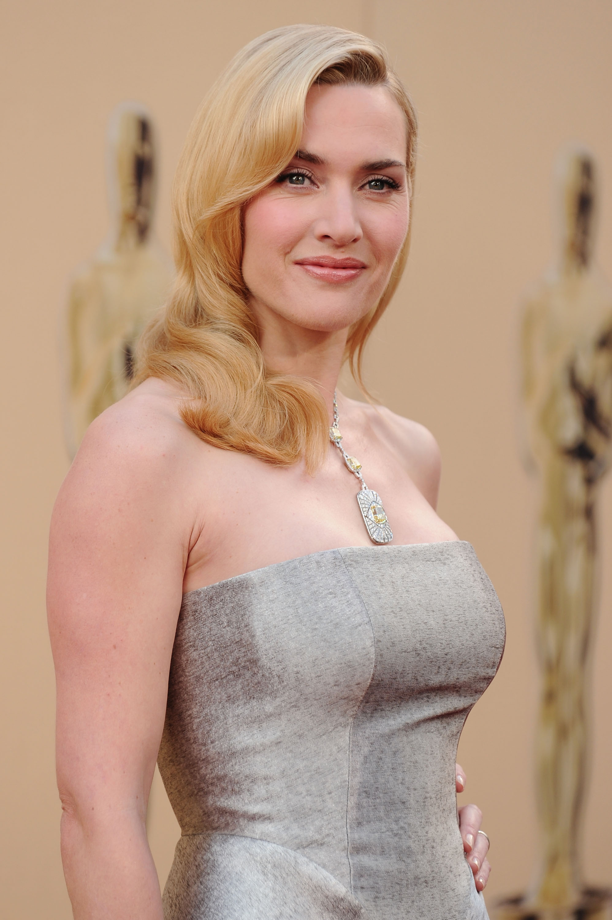 What Will Kate Winslet Wear To The 2016 Oscars Here Are Some Likely
