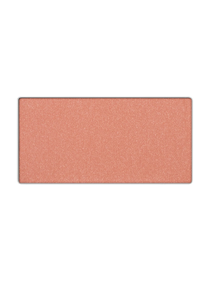 articles should apply highlighter blush first heres what celeb makeup artist