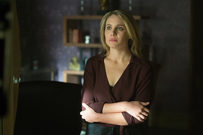 Cami Dies On 'The Originals' After Klaus Fails To Cure