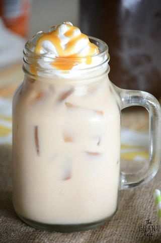 how to make frozen coffee drinks at home