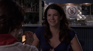 why lorelai not wearing an engagement ring in the gilmore