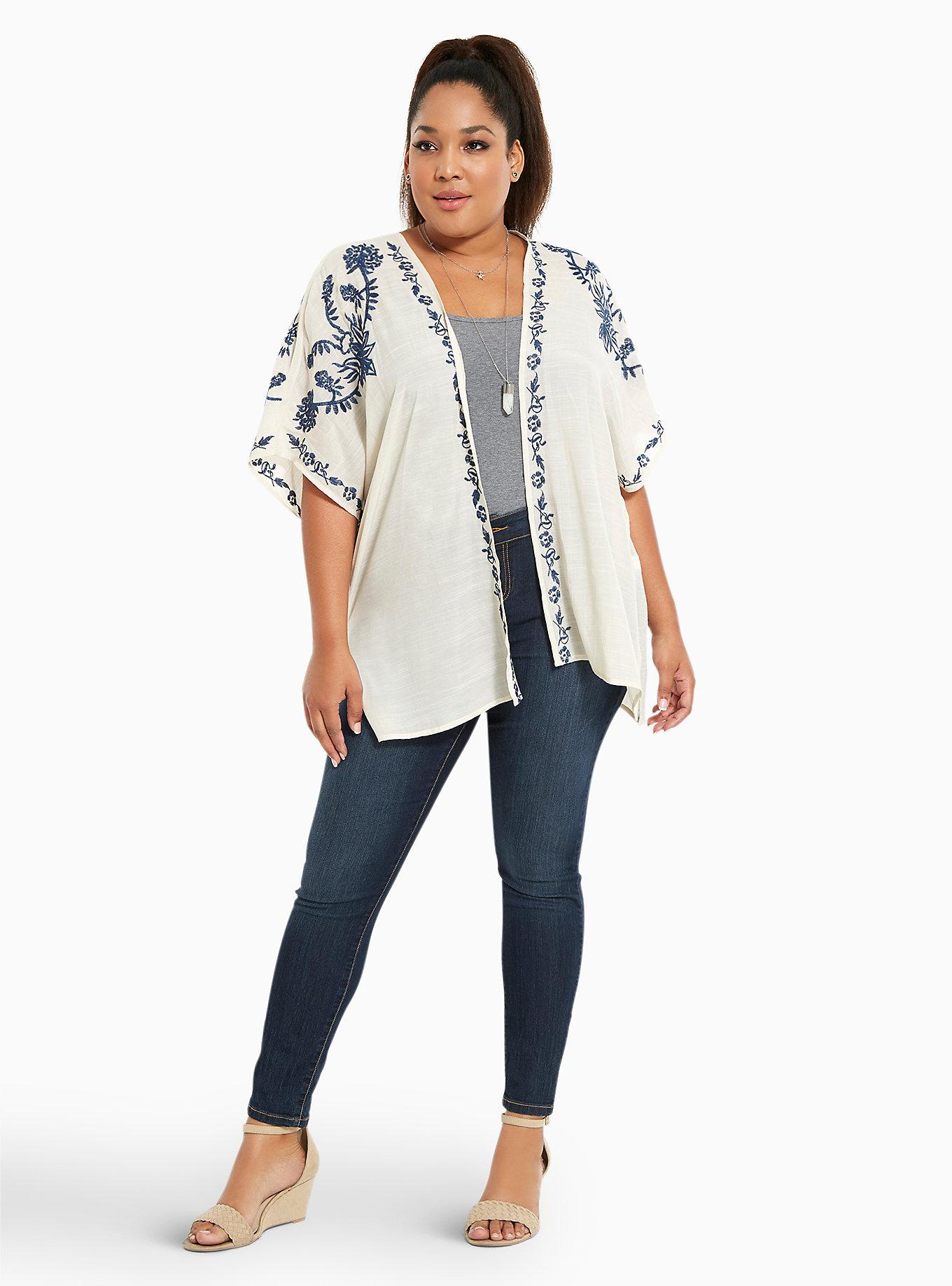 15 Plus Size Kimono Jackets For Light Summer Layering — PHOTOS