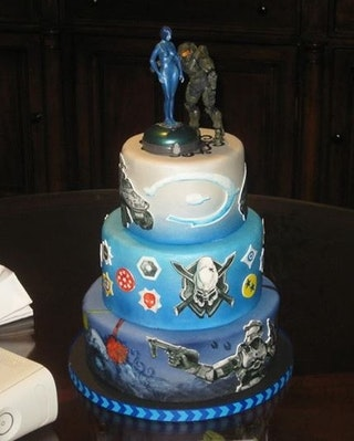 13 Nerdy Wedding Cakes For The Most Epic Reception Ever